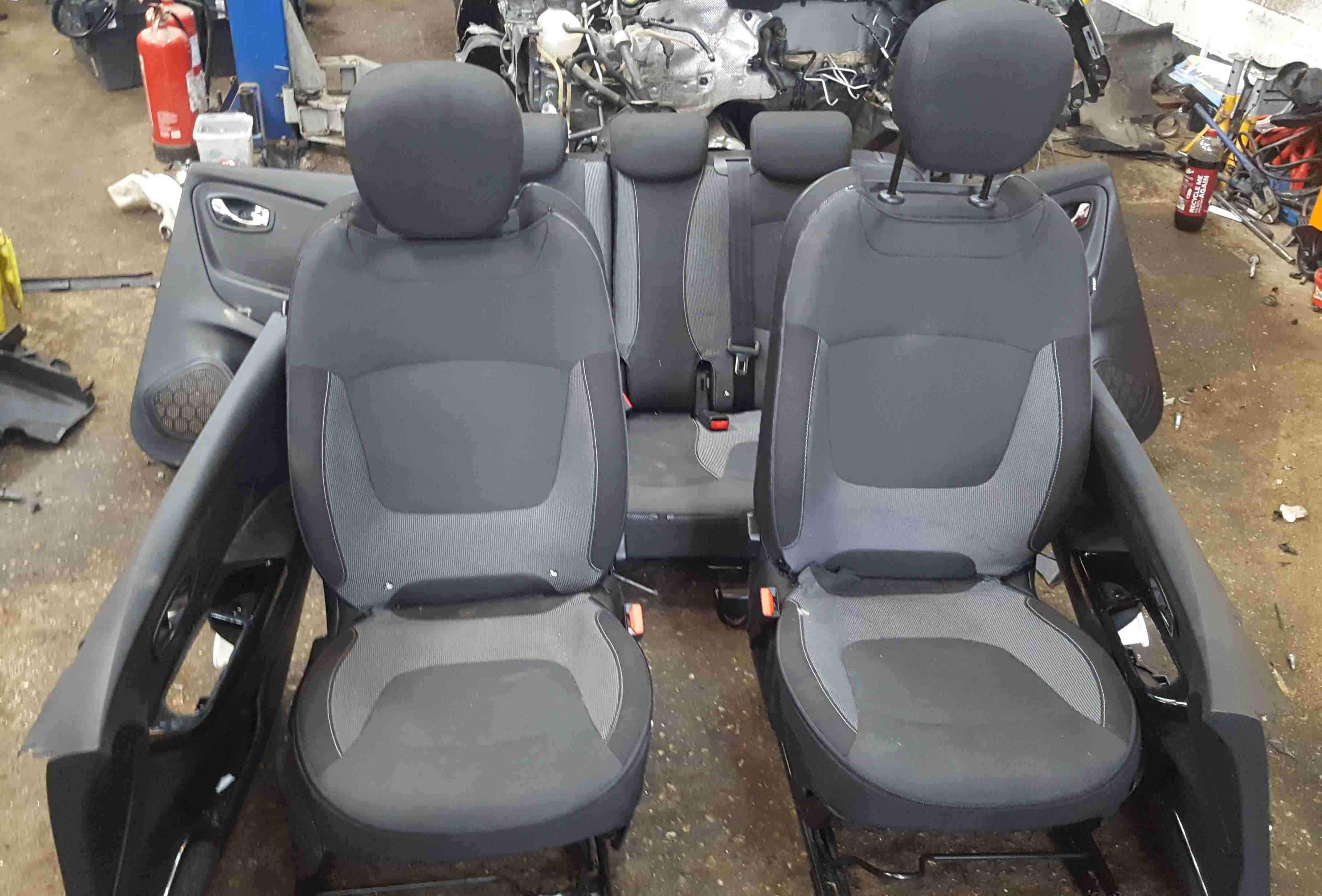 Renault Captur 2013-2019 Full Interior Set Chairs Cards