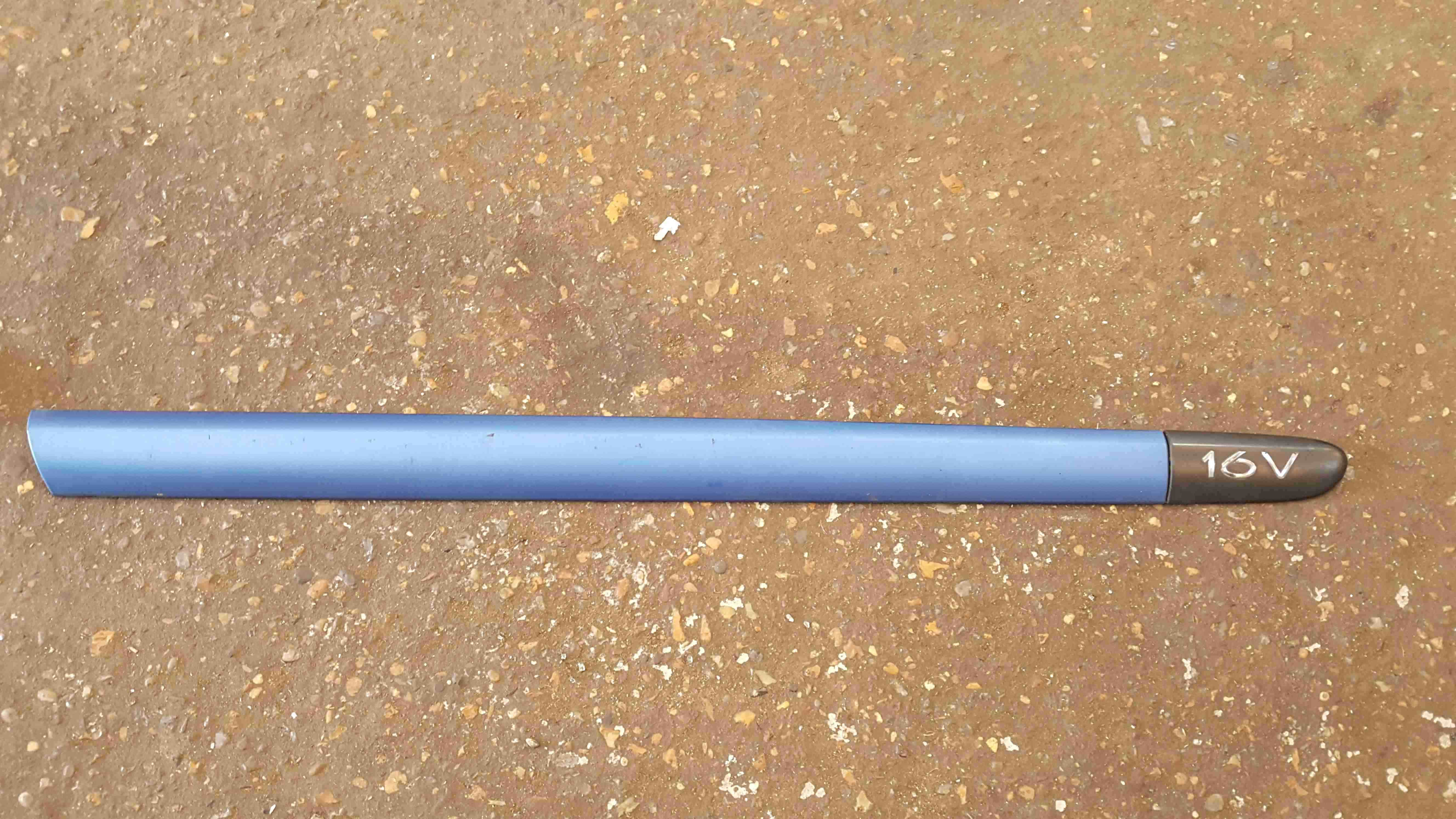 Renault Clio MK2 2001-2006 Drivers OSF Front Door Moulding 3dr Blue 8200072238