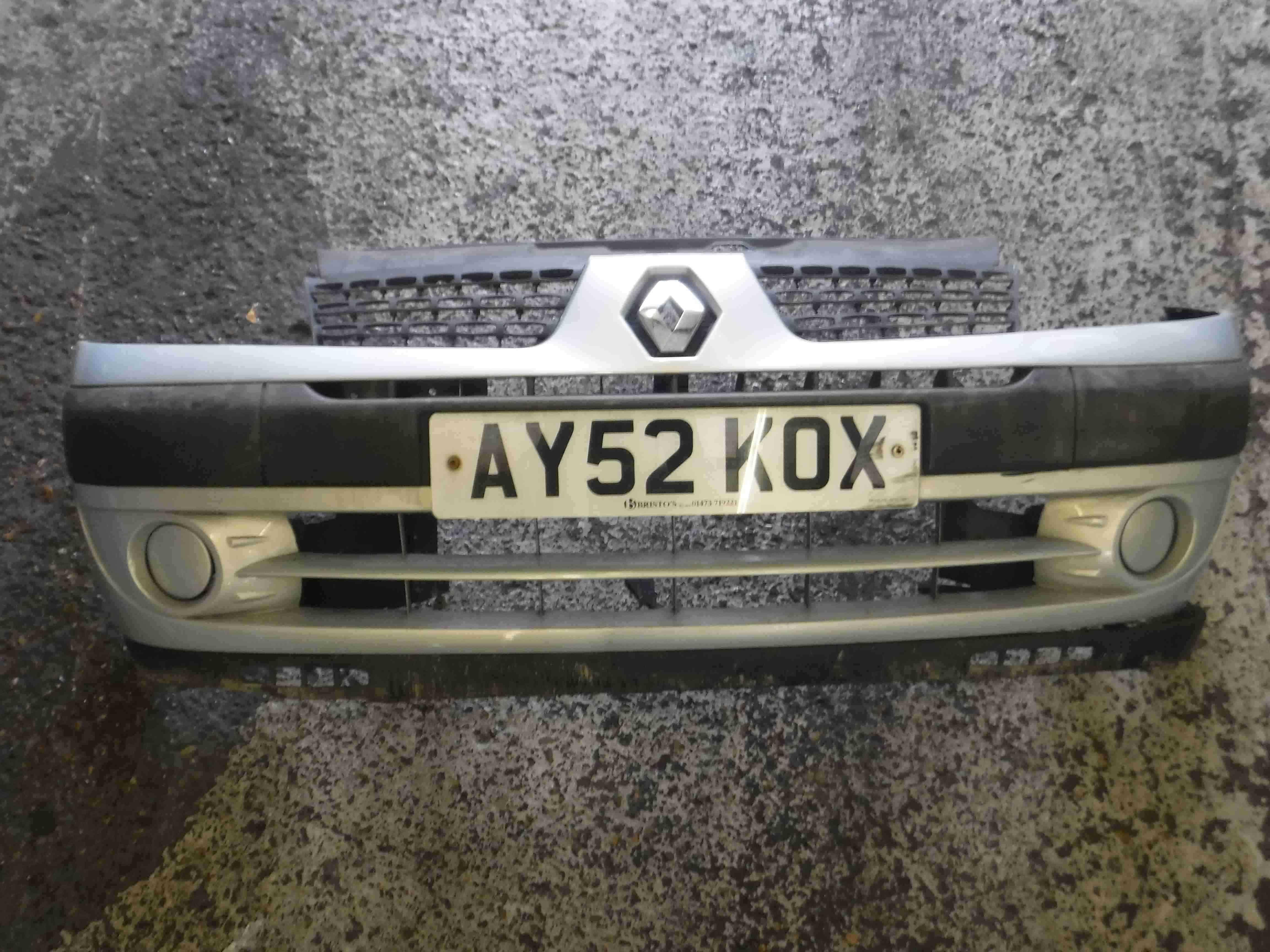 Renault Clio MK2 2001-2006 Front Bumper Silver 632