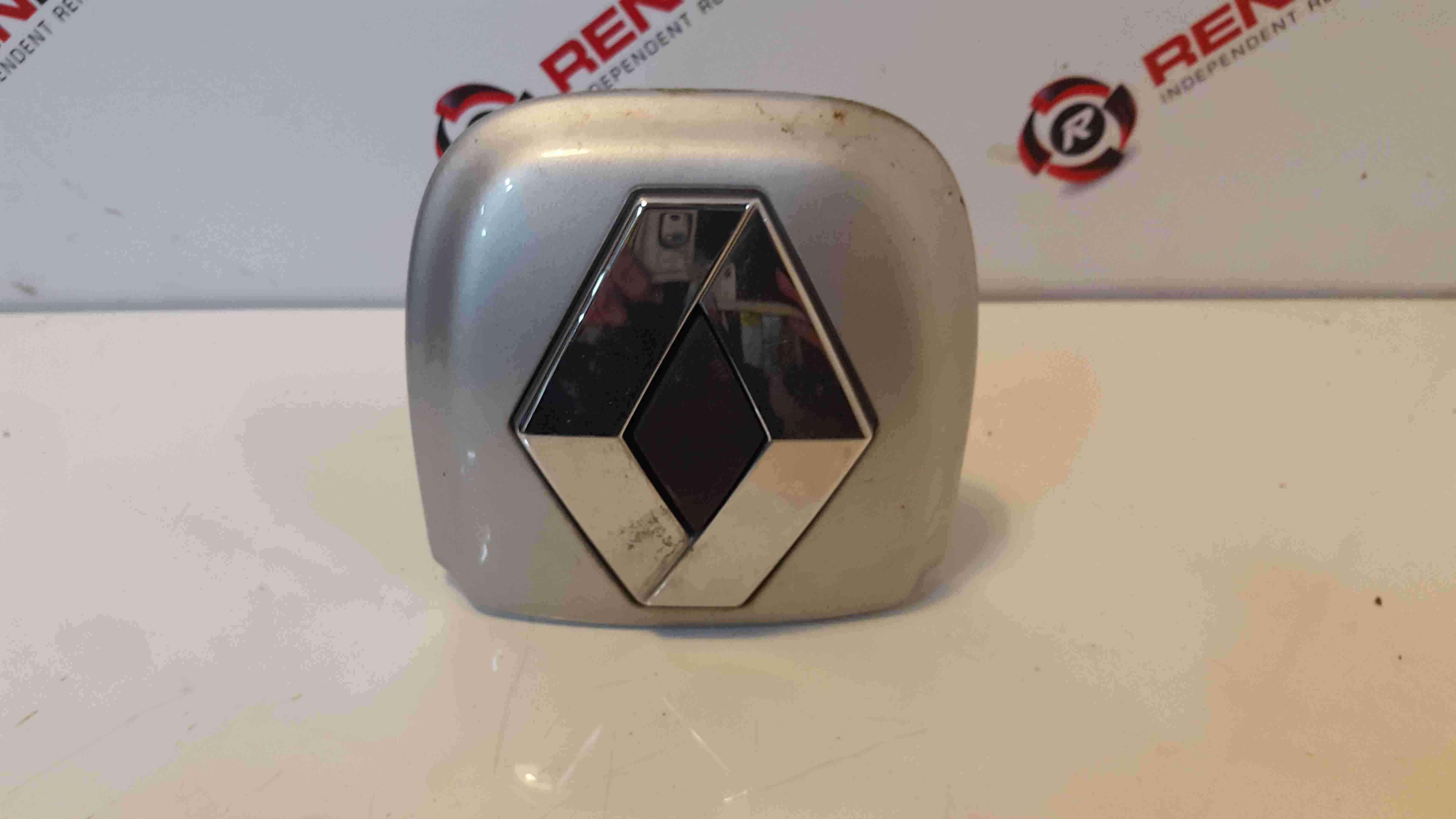 Renault Clio MK2 2001-2006 Rear Boot Button Surround TED69