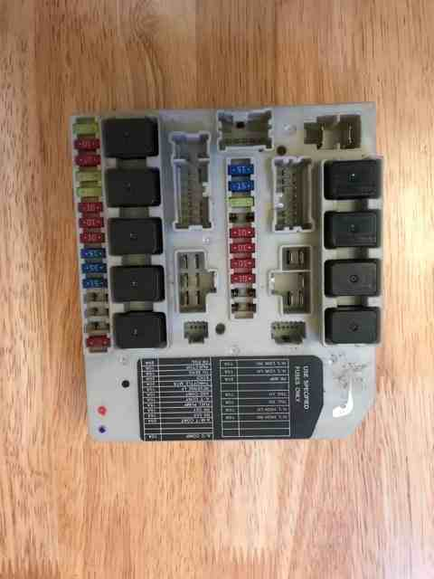 Renault Megane 2005 Engine Bay Fuse Box : Renault clio mk modus  engine bay fuse box upc
