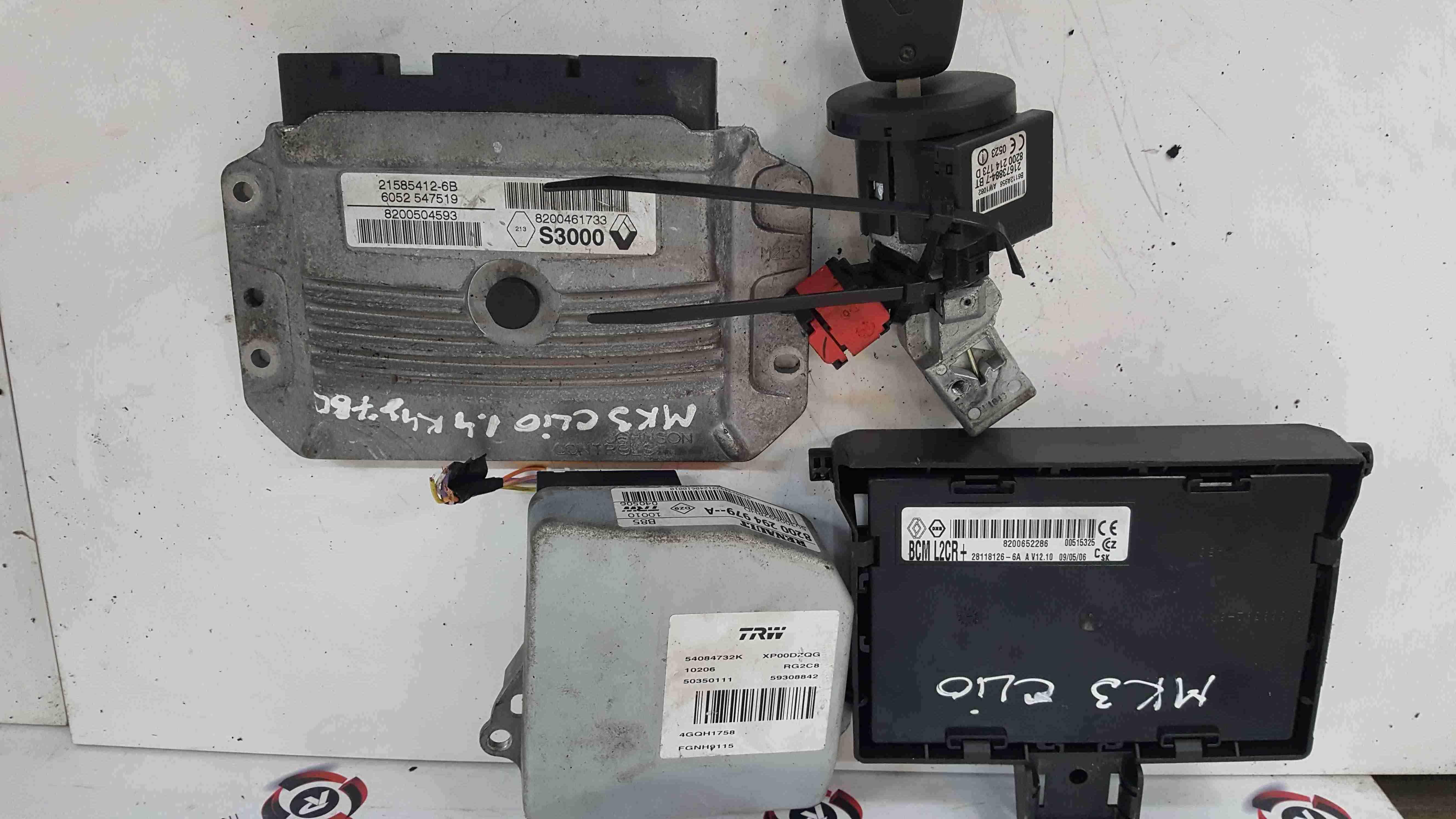 Renault Clio MK3 2005-2012 1.4 16v ECU SET UCH BCM Immobiliser + Key Fob