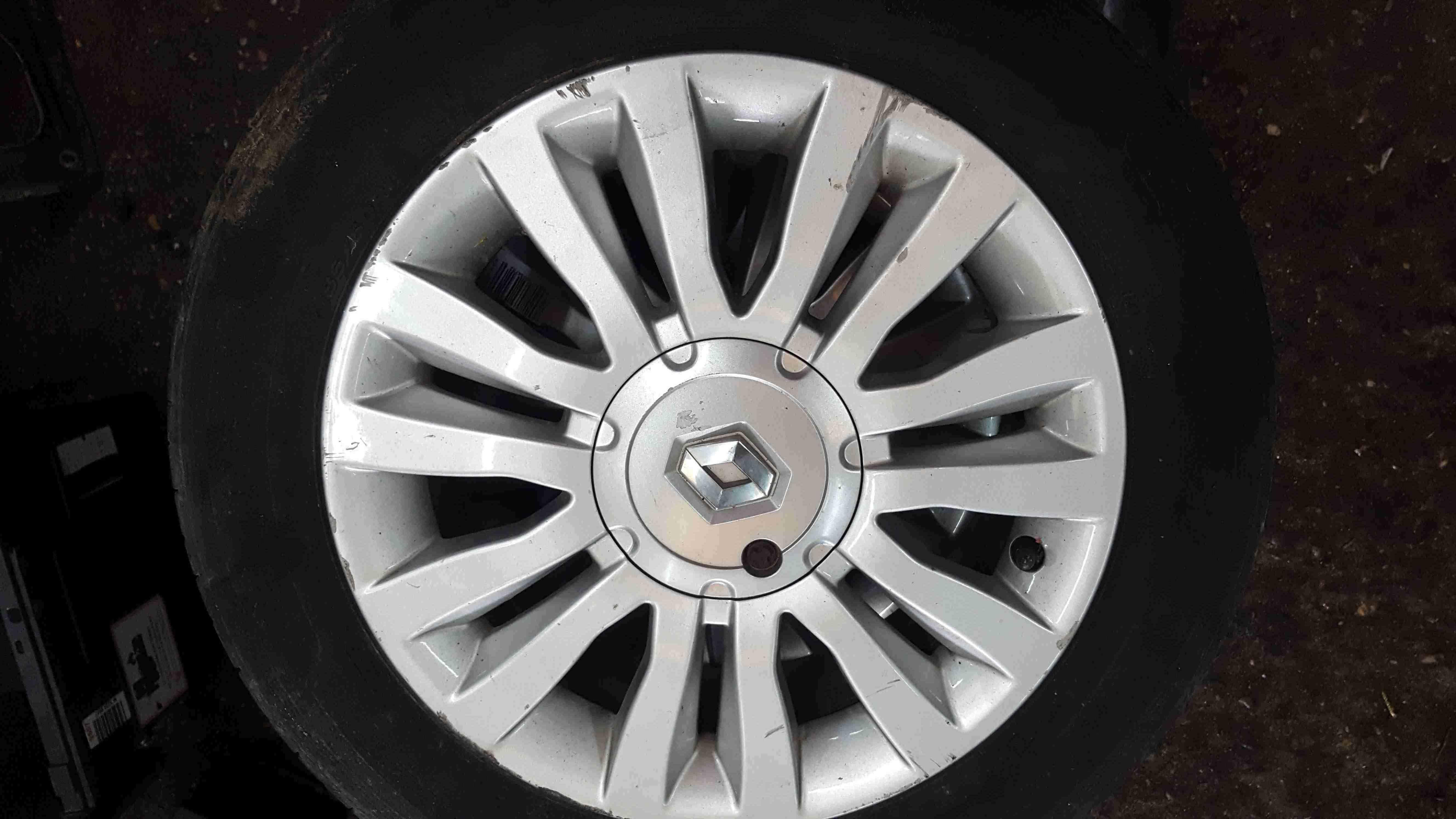 Renault Clio MK3 2005-2012 Del Arte Alloy Wheel  Tyre 185 60 15 4mm Tread