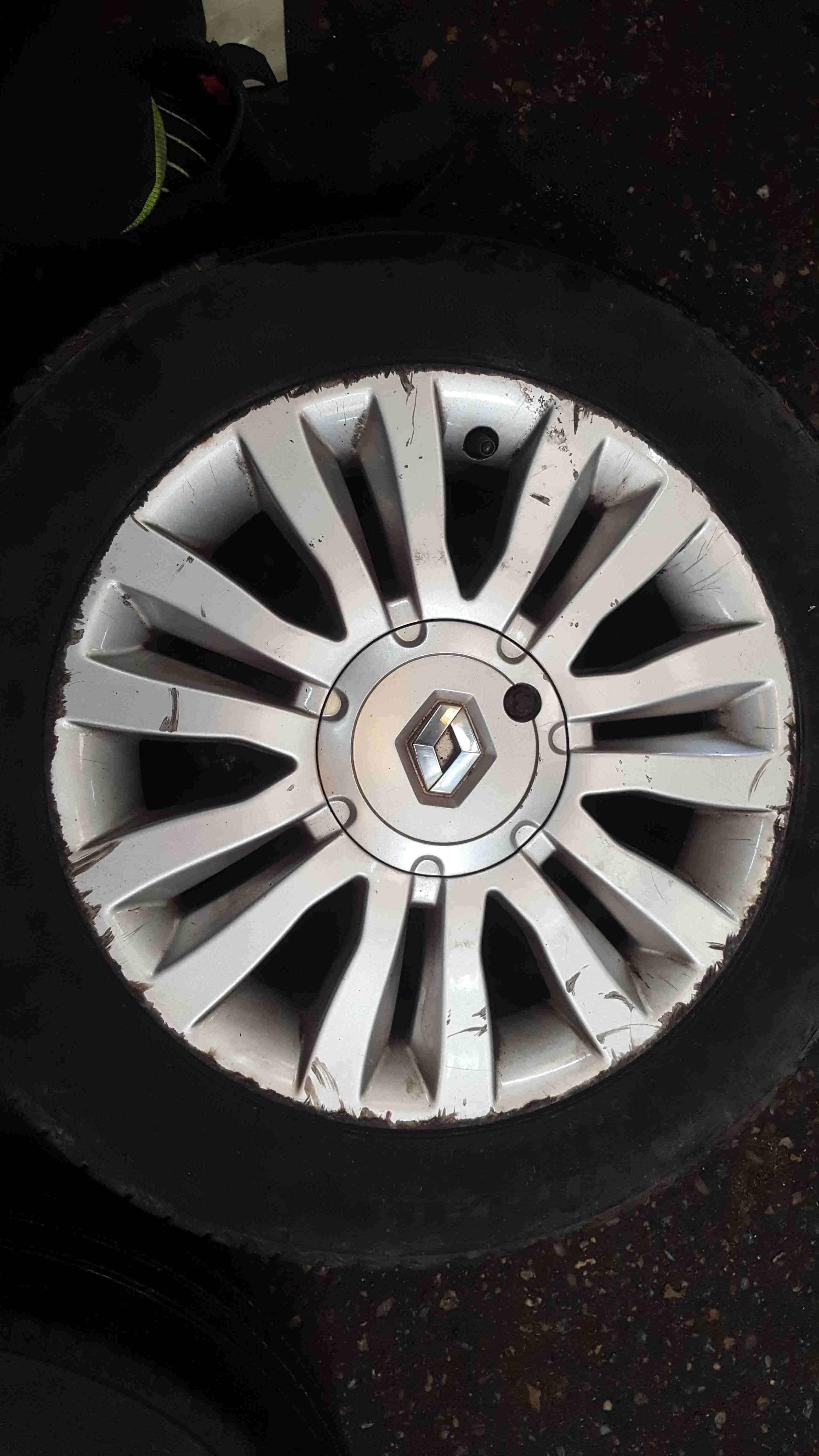 Renault Clio MK3 2005-2012 Del Arte Alloy Wheel + Tyre 185 60 15 5mm