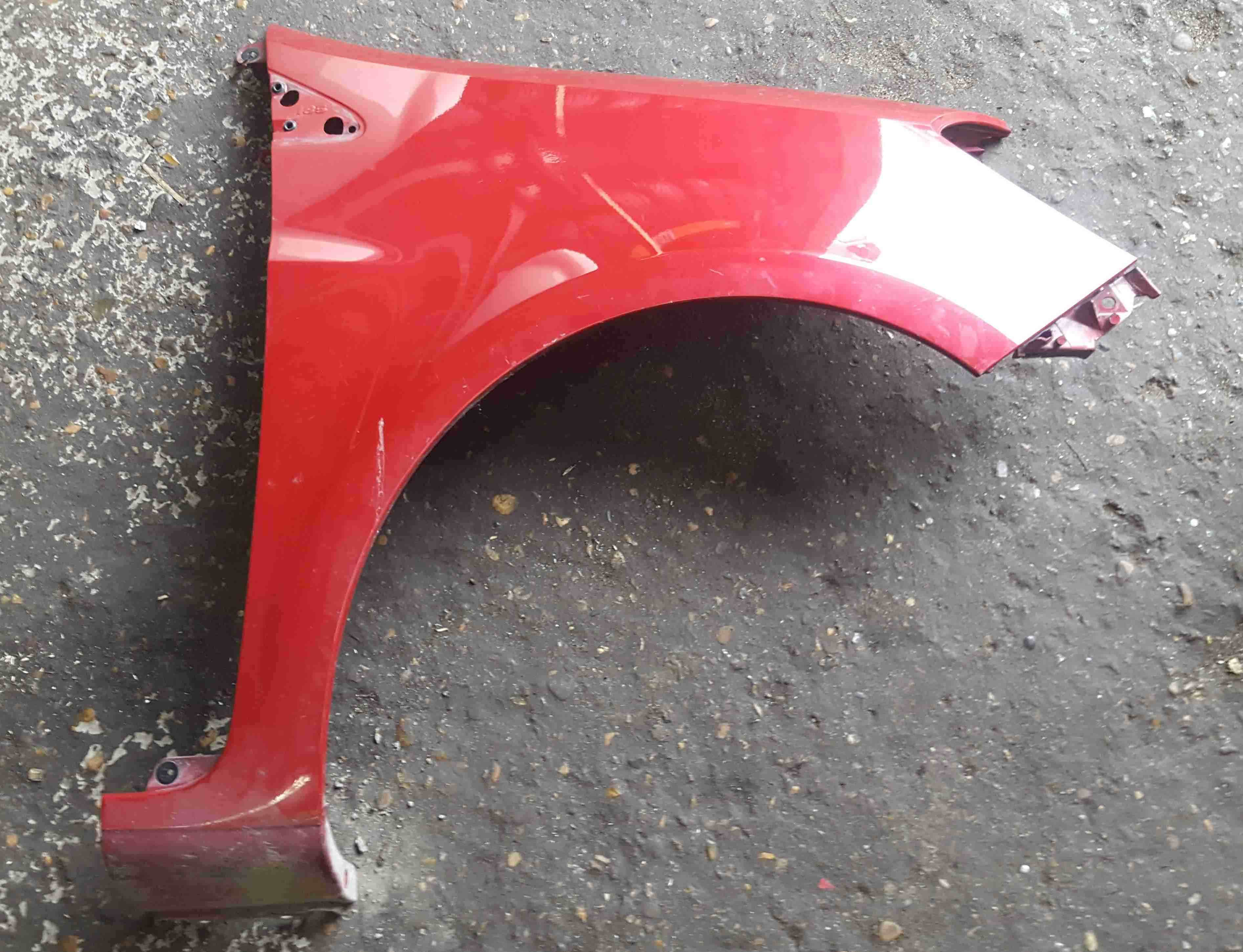 Renault Clio MK3 2005-2012 Drivers OS Wing Red TENNJ 185