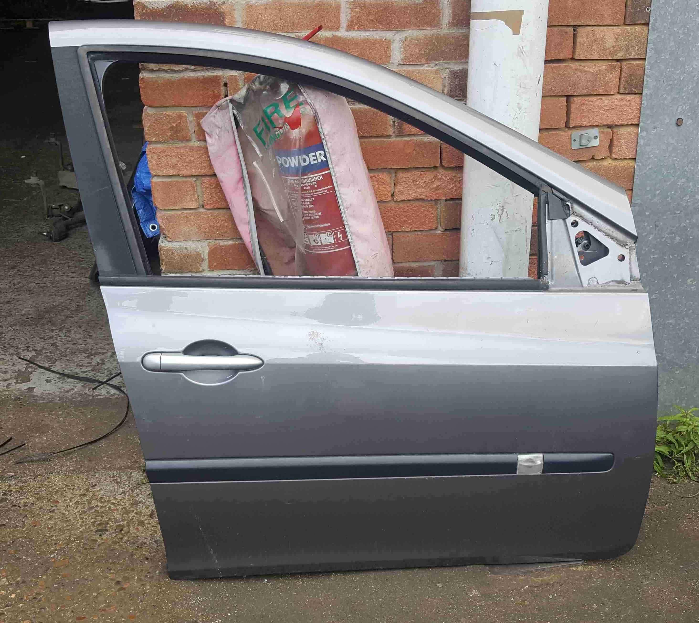 Renault Clio MK3 2005-2012 Drivers OSF Front Door Grey TEKNG 5dr