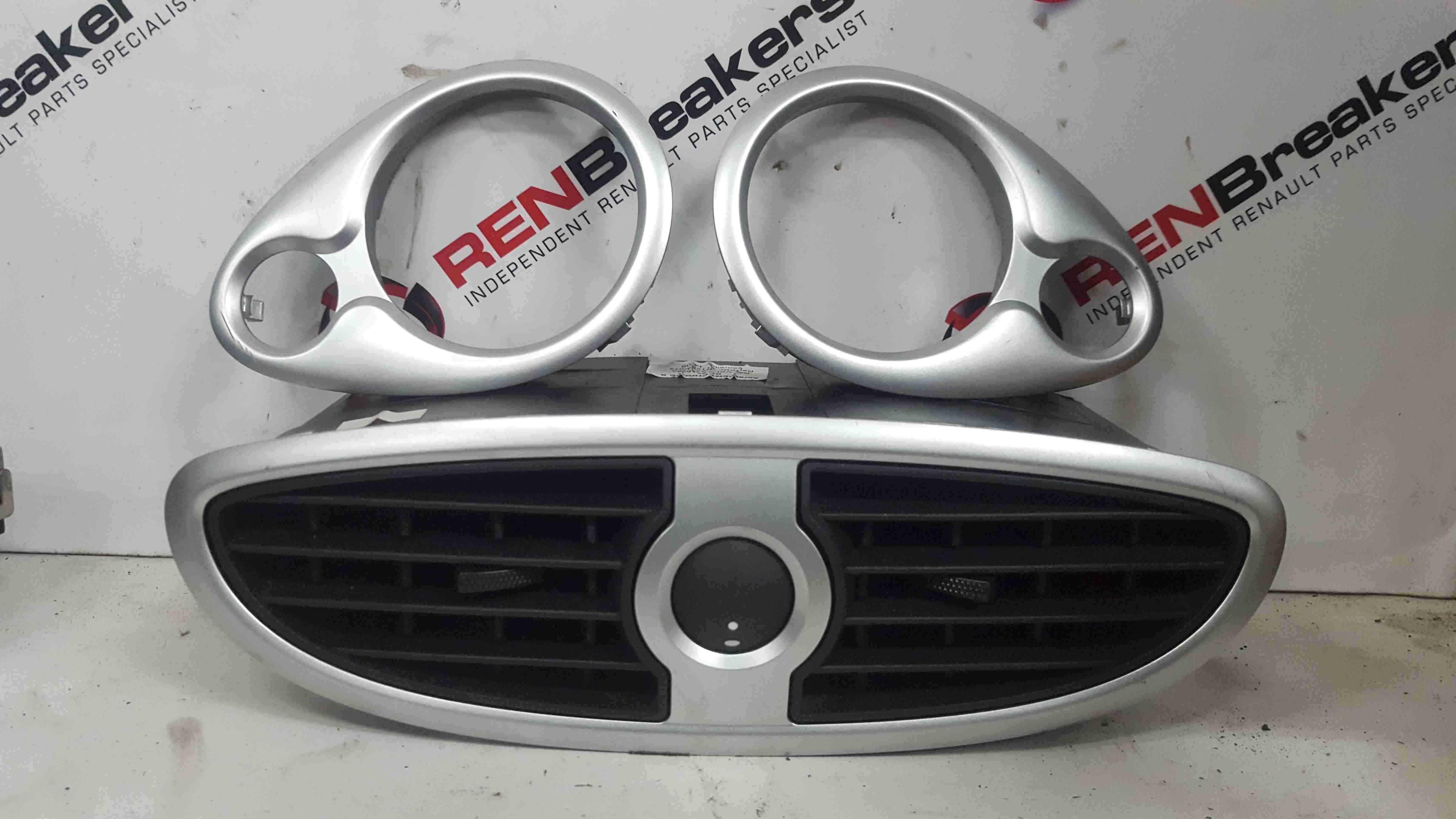 Renault Clio MK3 2005-2012 Heater Vent Silver Surround