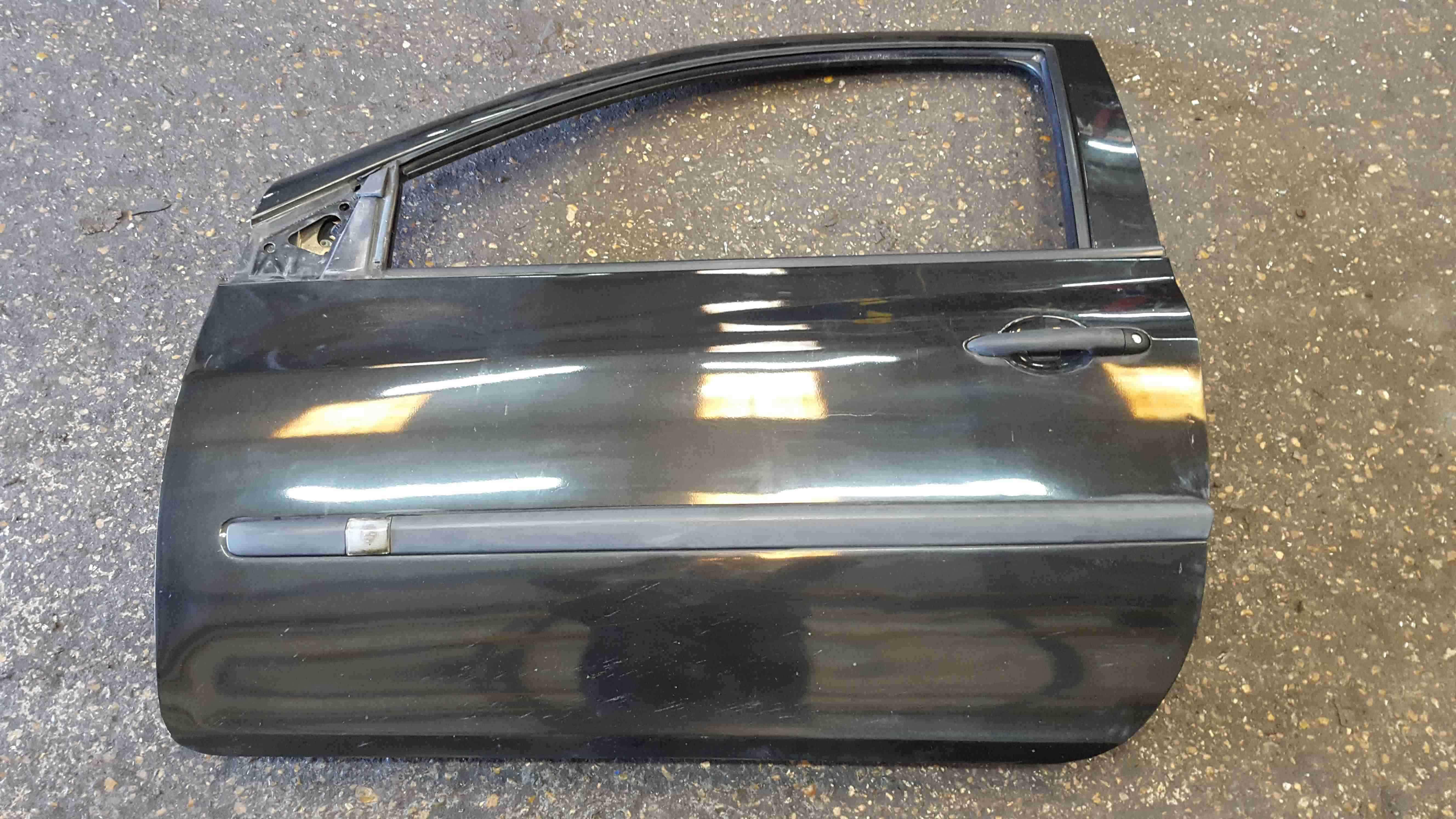 Renault Clio MK3 2005-2012 Passenger NSF Front Door Black 676 3dr