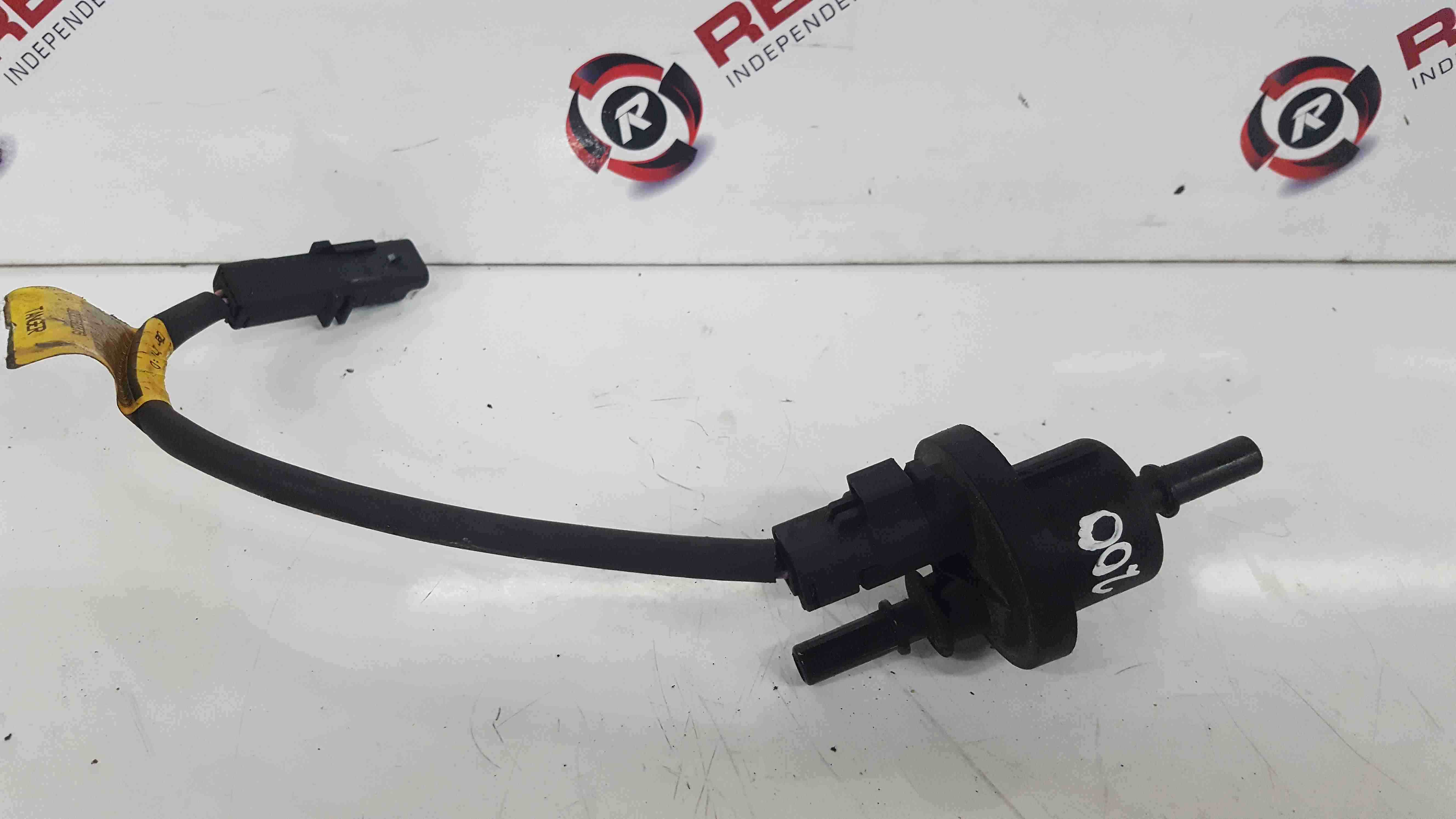 Renault Clio MK3 2009-2012 200 Carbon Canister Fuel Breather Valve 8200660852