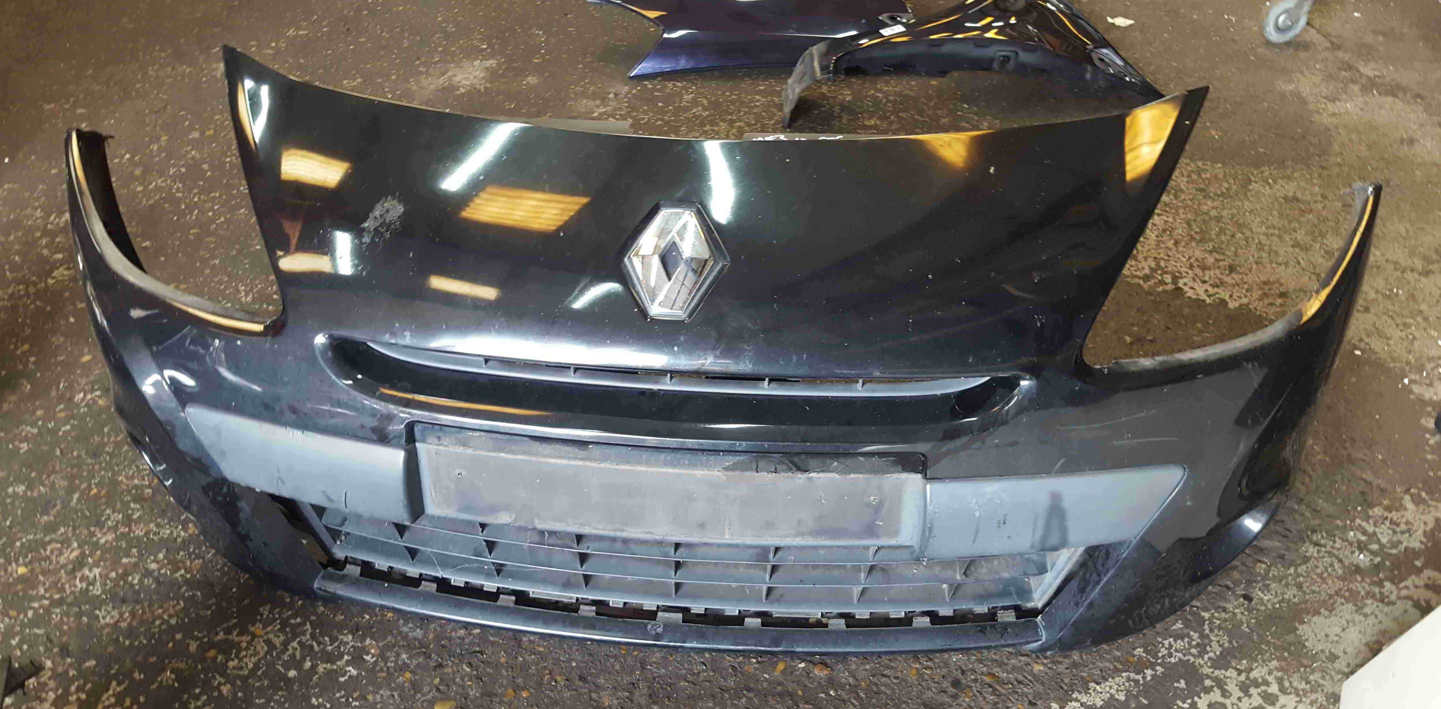 Renault Clio MK3 2009-2012 Front Bumper Black 676 185