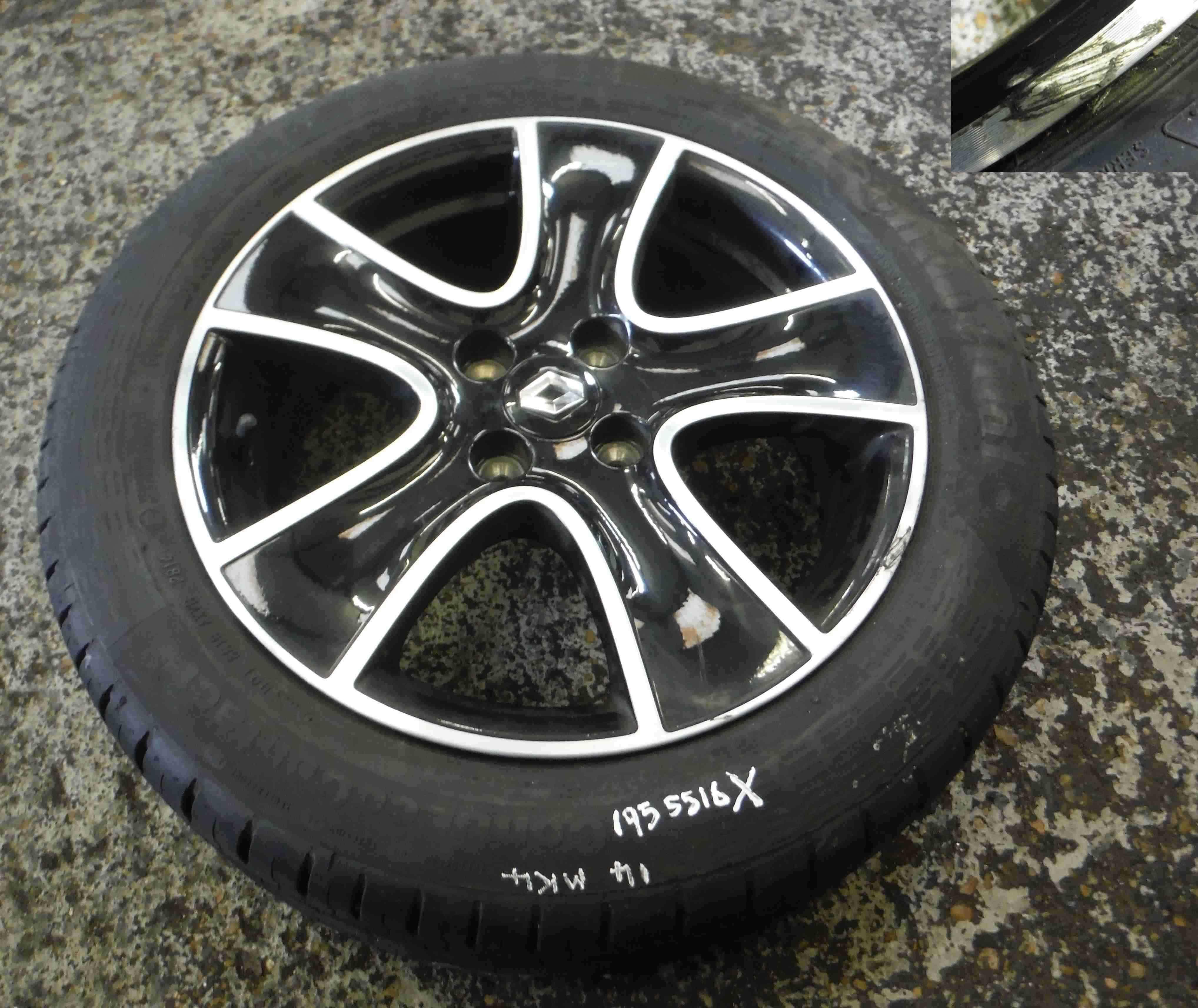 Renault Clio Black: Renault Clio MK4 2013-2015 Dynamique Passion Alloy Wheel