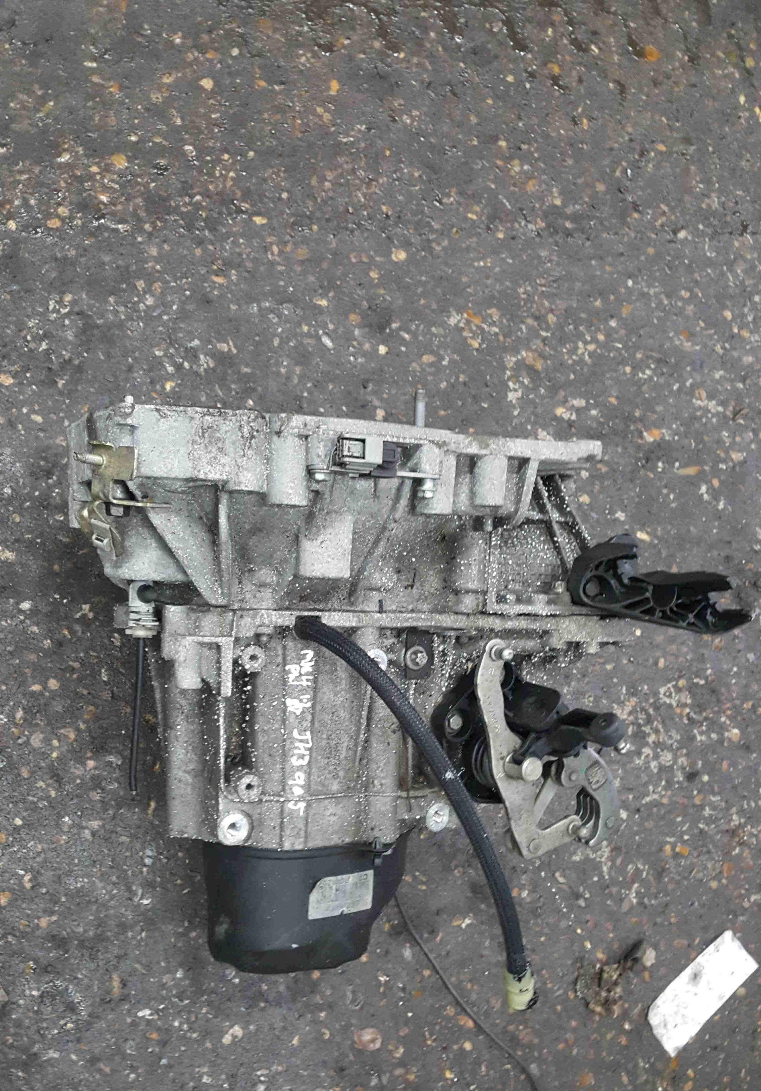 Renault Clio MK4 2013-2019 1.2 16v 5 Speed Manual Gearbox JH3 905