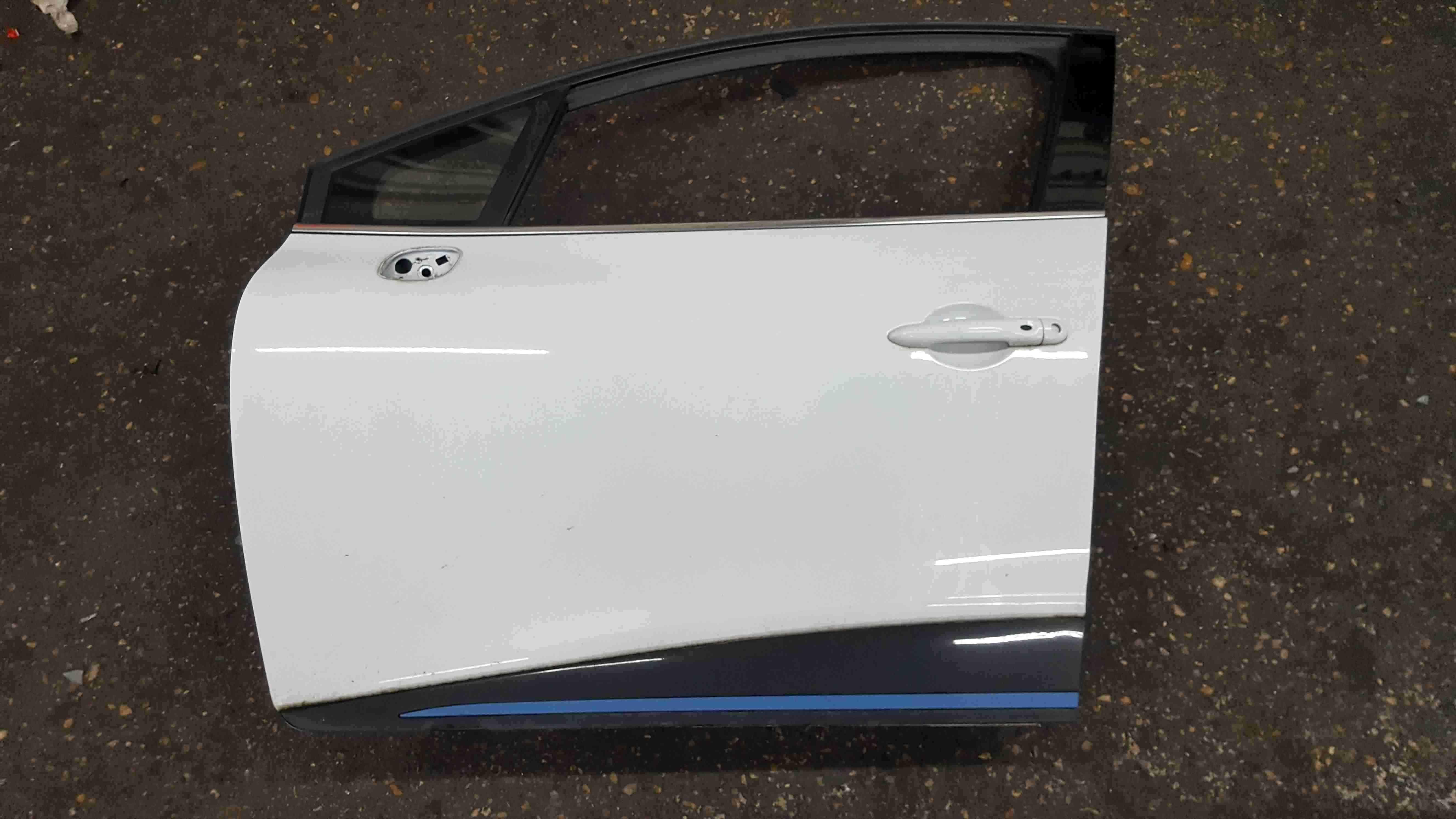 Renault Clio MK4 2013-2019 Passenger NSF Front Door White OV369