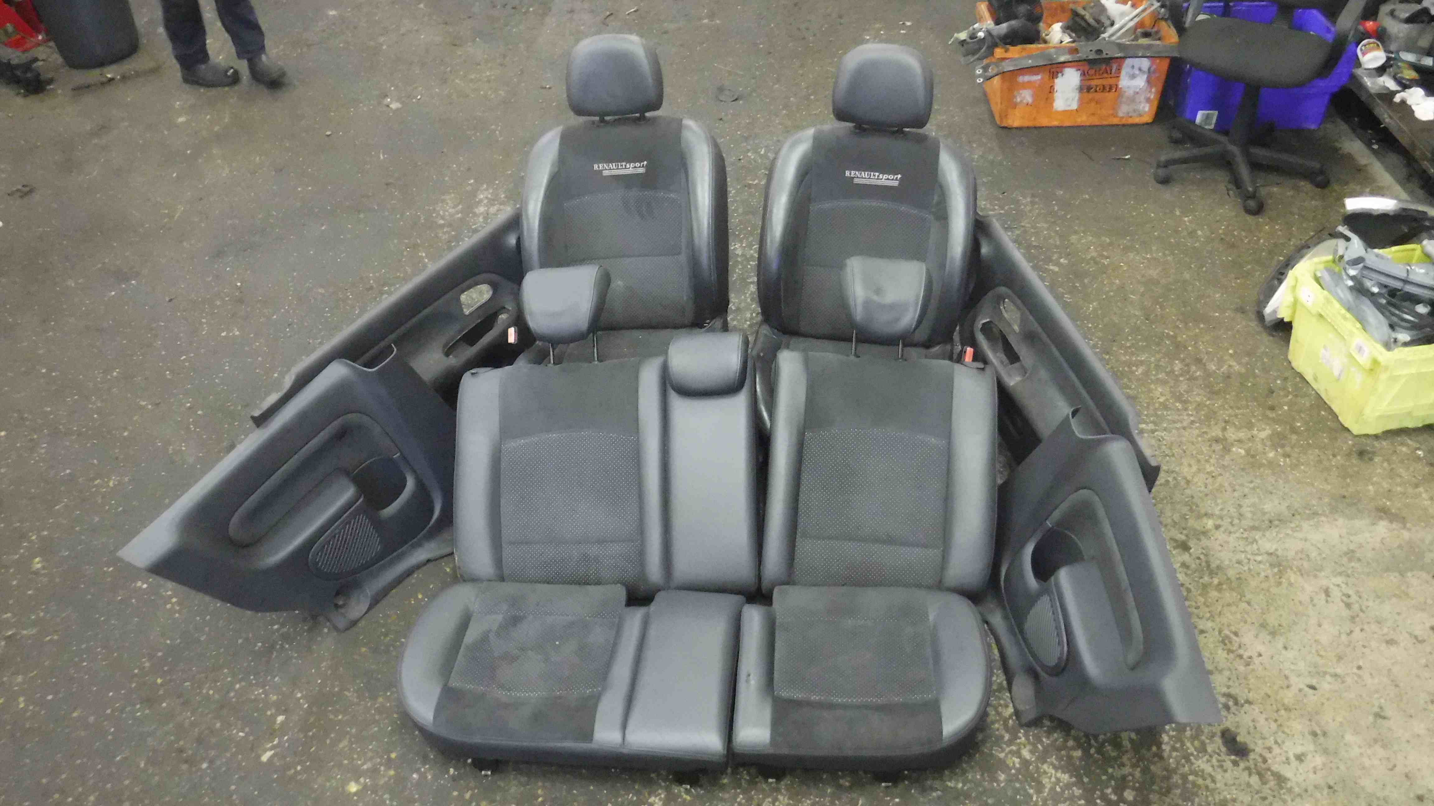 Renault clio sport 2001 2006 172 182 complete interior for Compleet interieur