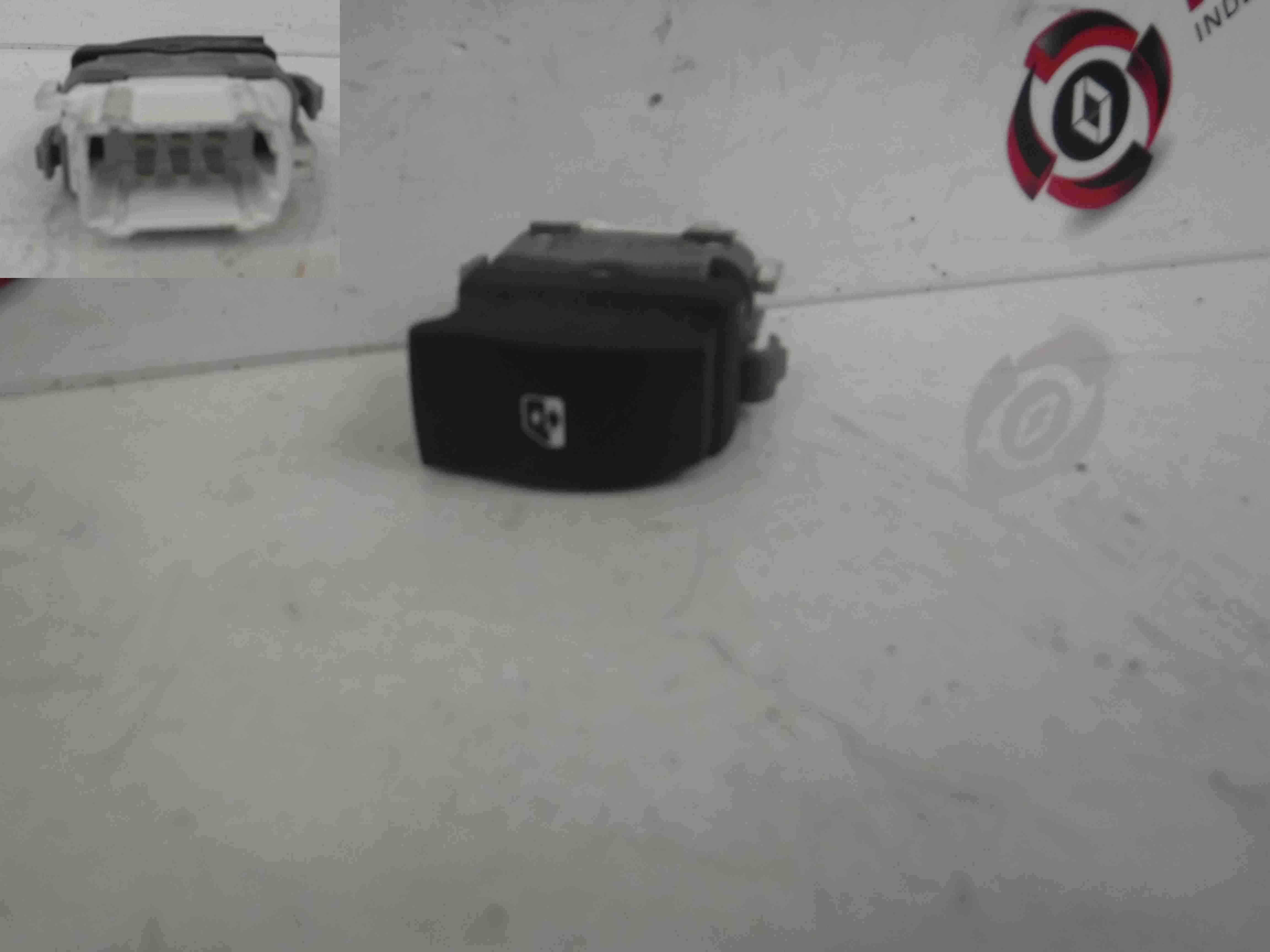 Renault Espace 2003-2013 Passenger Drivers Rear Window Switch White Plug