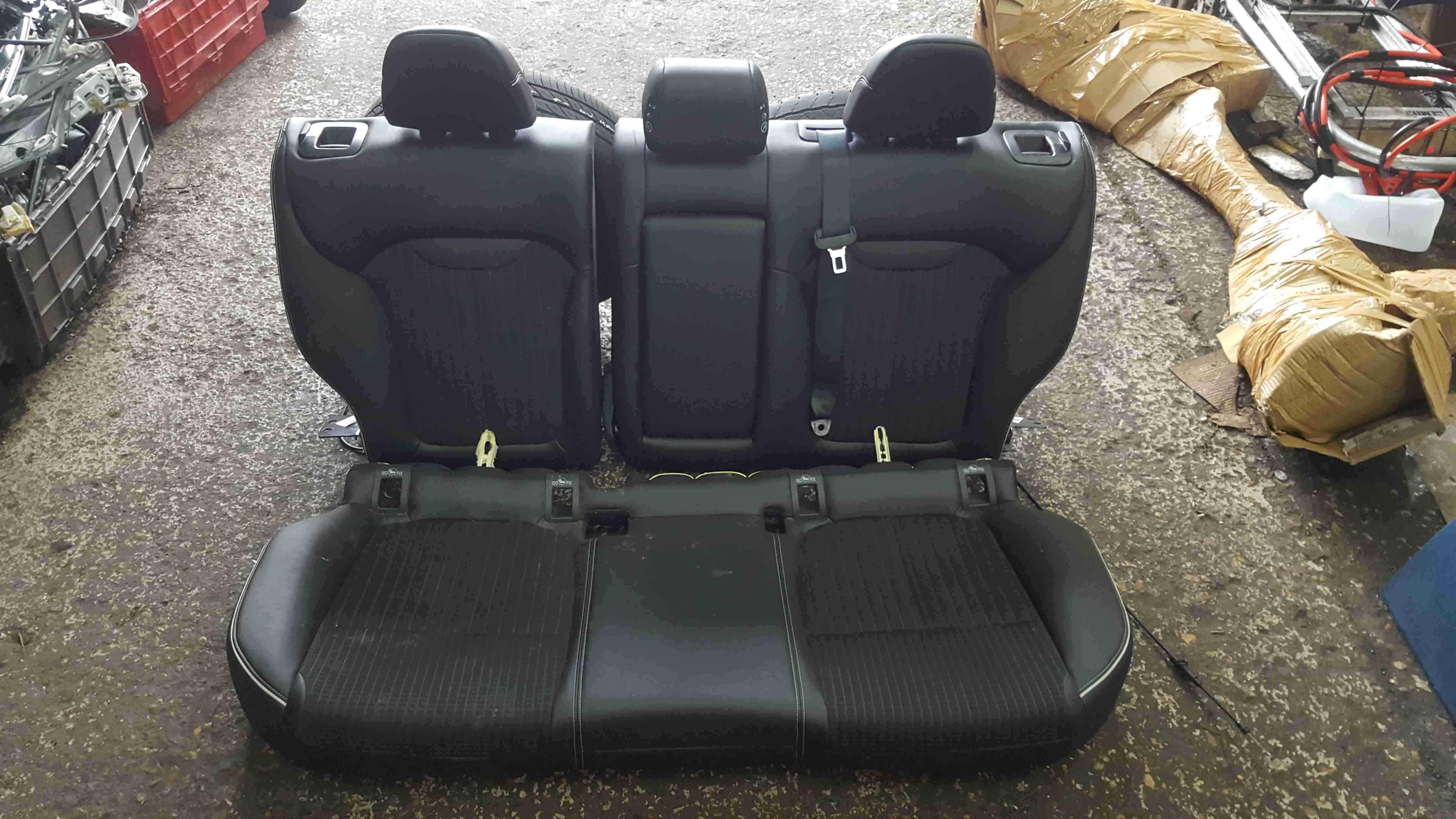 Renault Kadjar 2015-2018 Black Leather Rear Seat Bench Chair