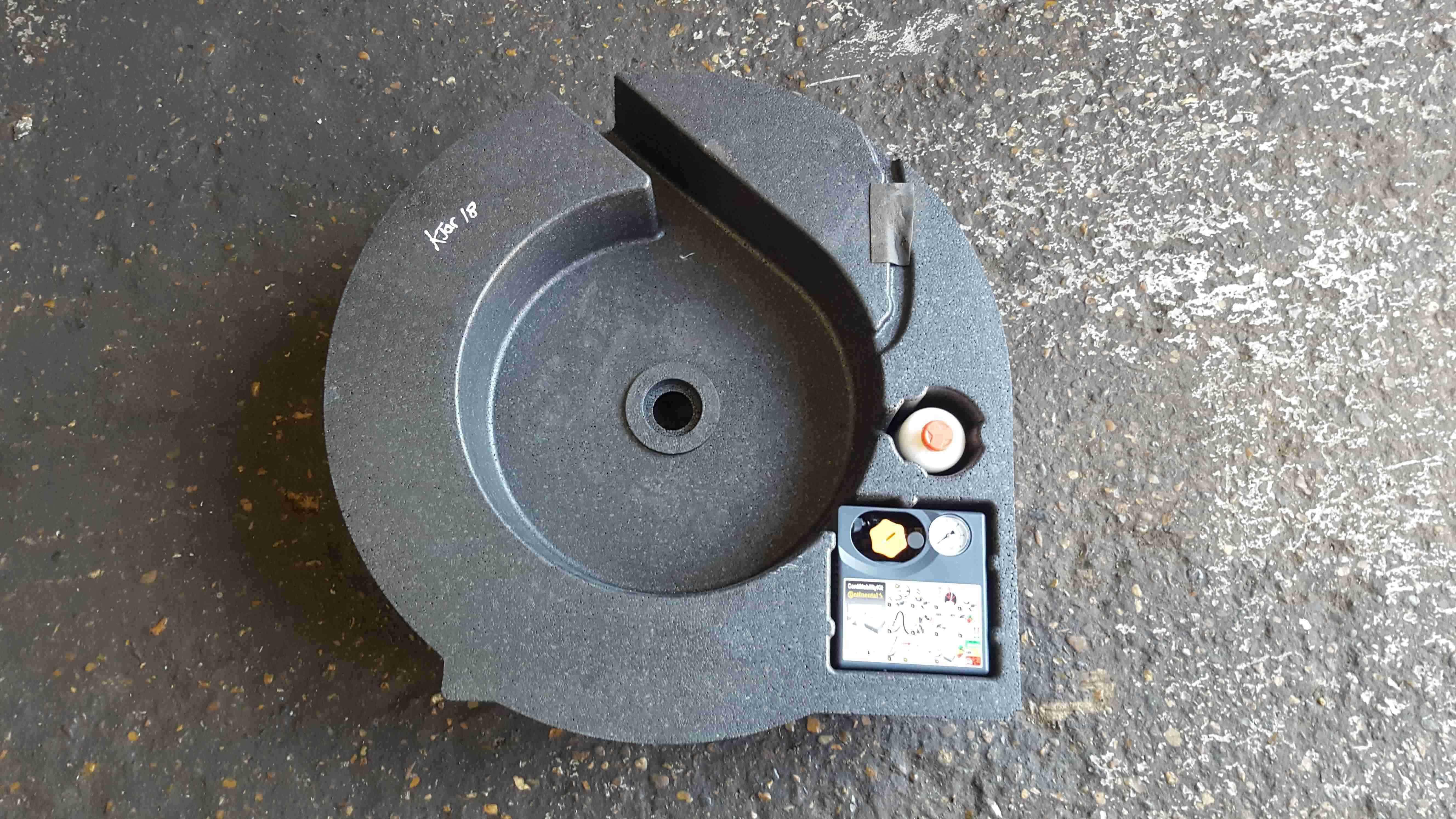 Renault Kadjar 2015-2018 Spare Wheel Foam Inflator Foam Kit