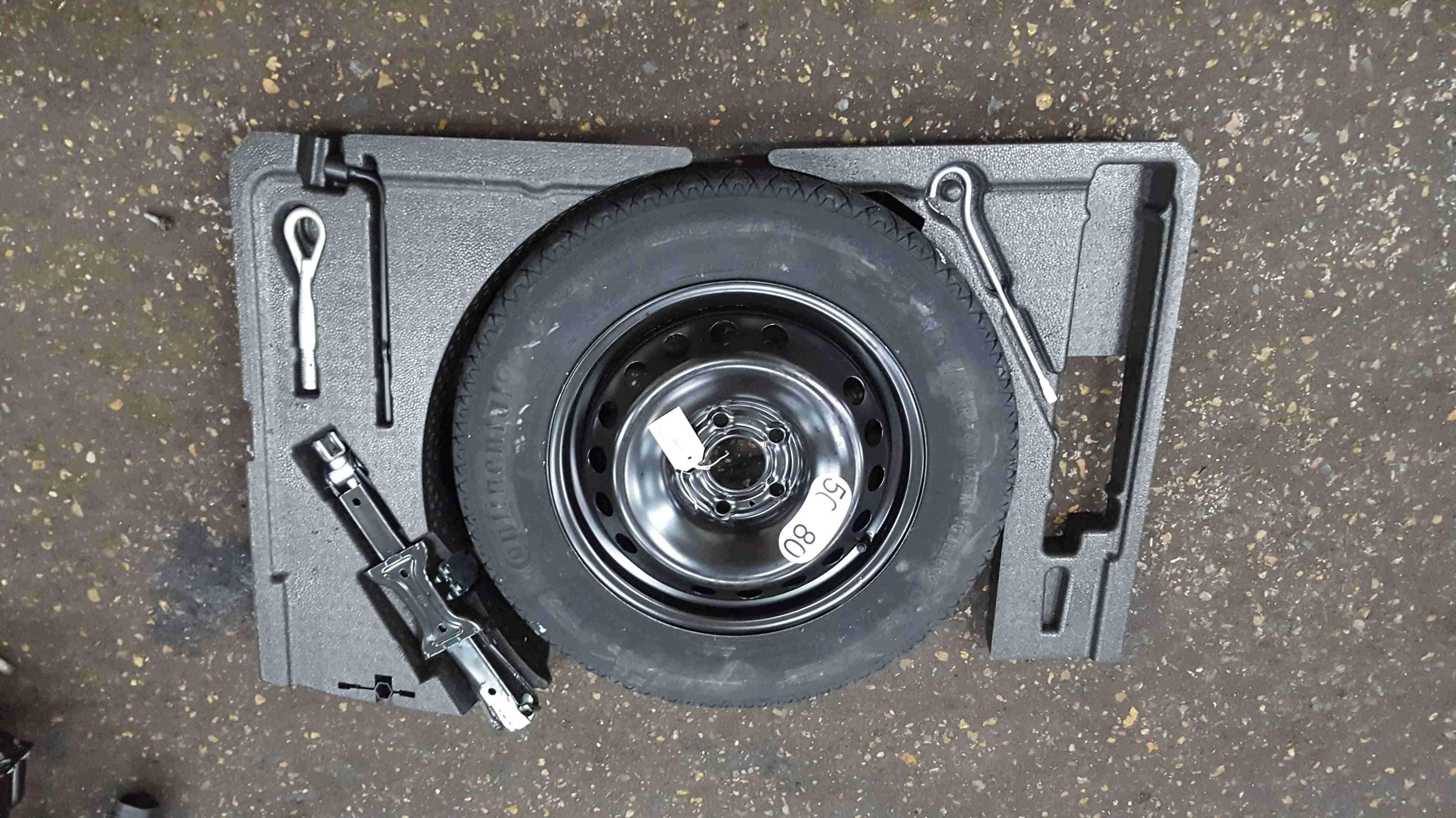 Renault Kadjar 2015-2021 Spare Wheel Jack Set Foam 849758862R