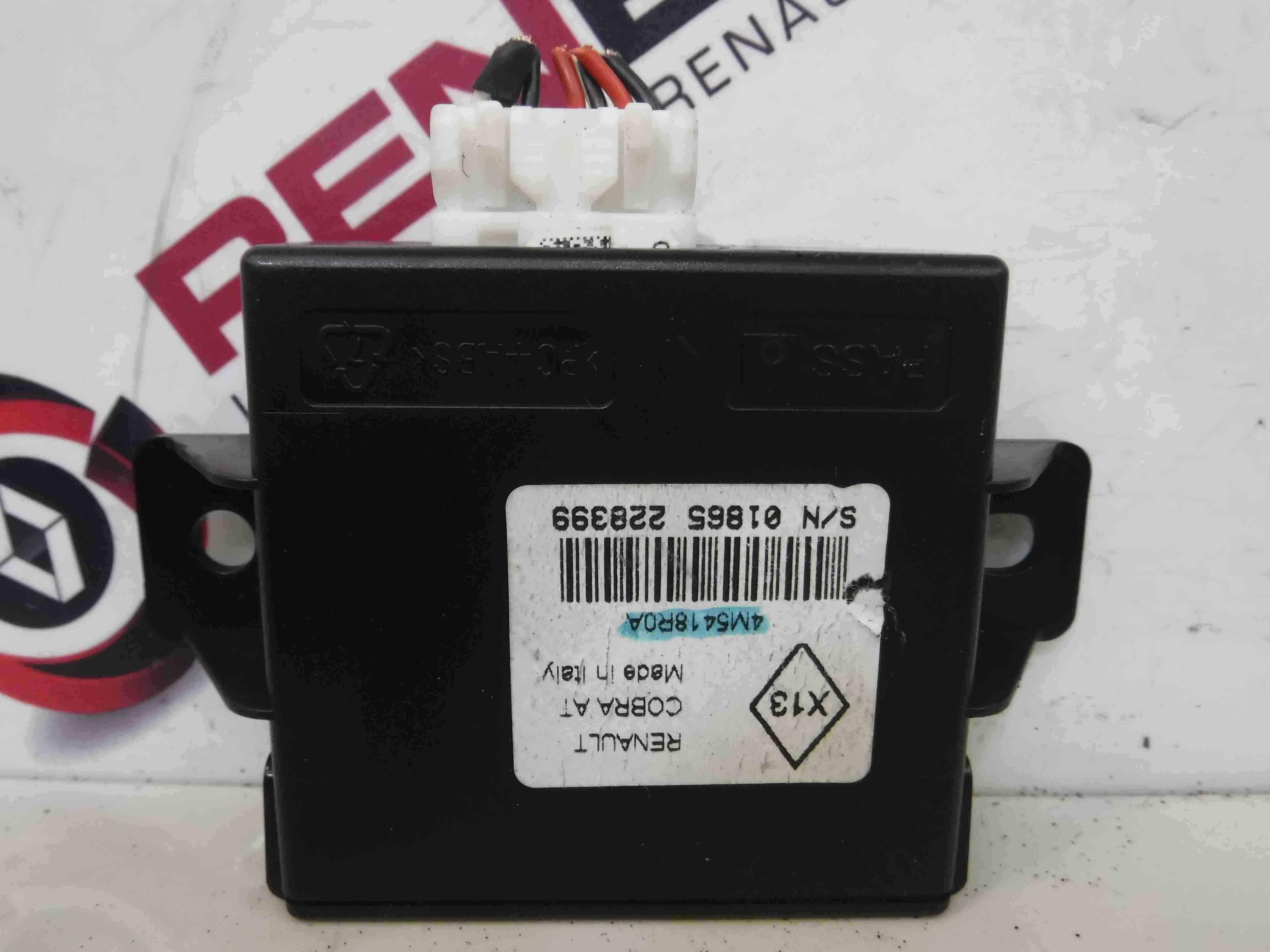 Renault Laguna MK3 2007-2012 Alarm Module ECU Unit Control 4M5418R0A