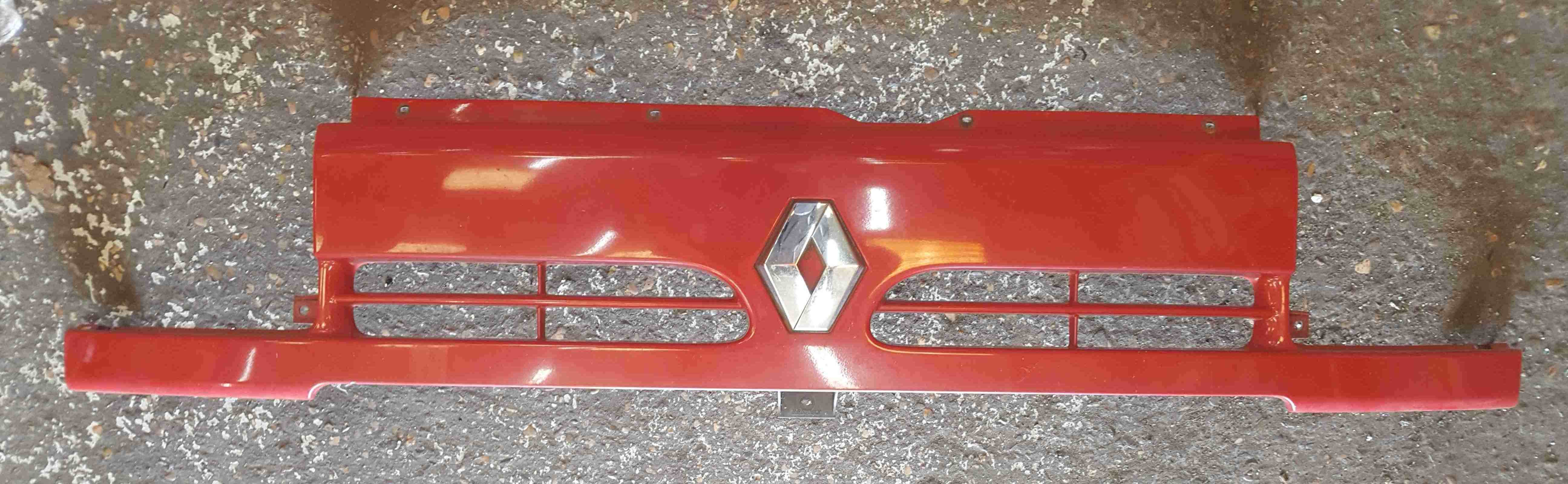 Renault Master 1997-2003 Front Bumper Top Insert Badge Slam