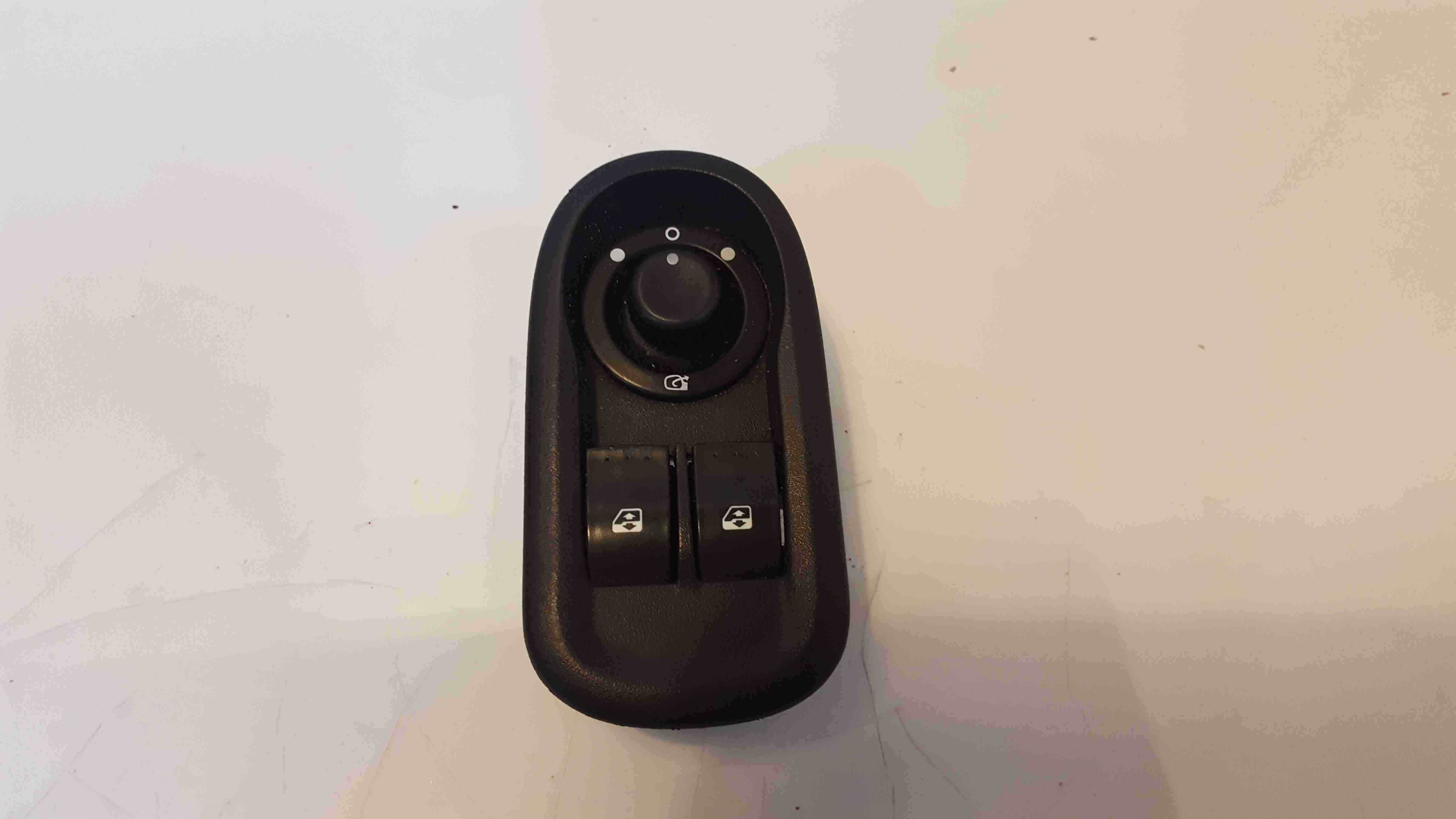 Renault Master 2008-2019 Drivers OSF Front Window Switch Mirror Panel 8200637849