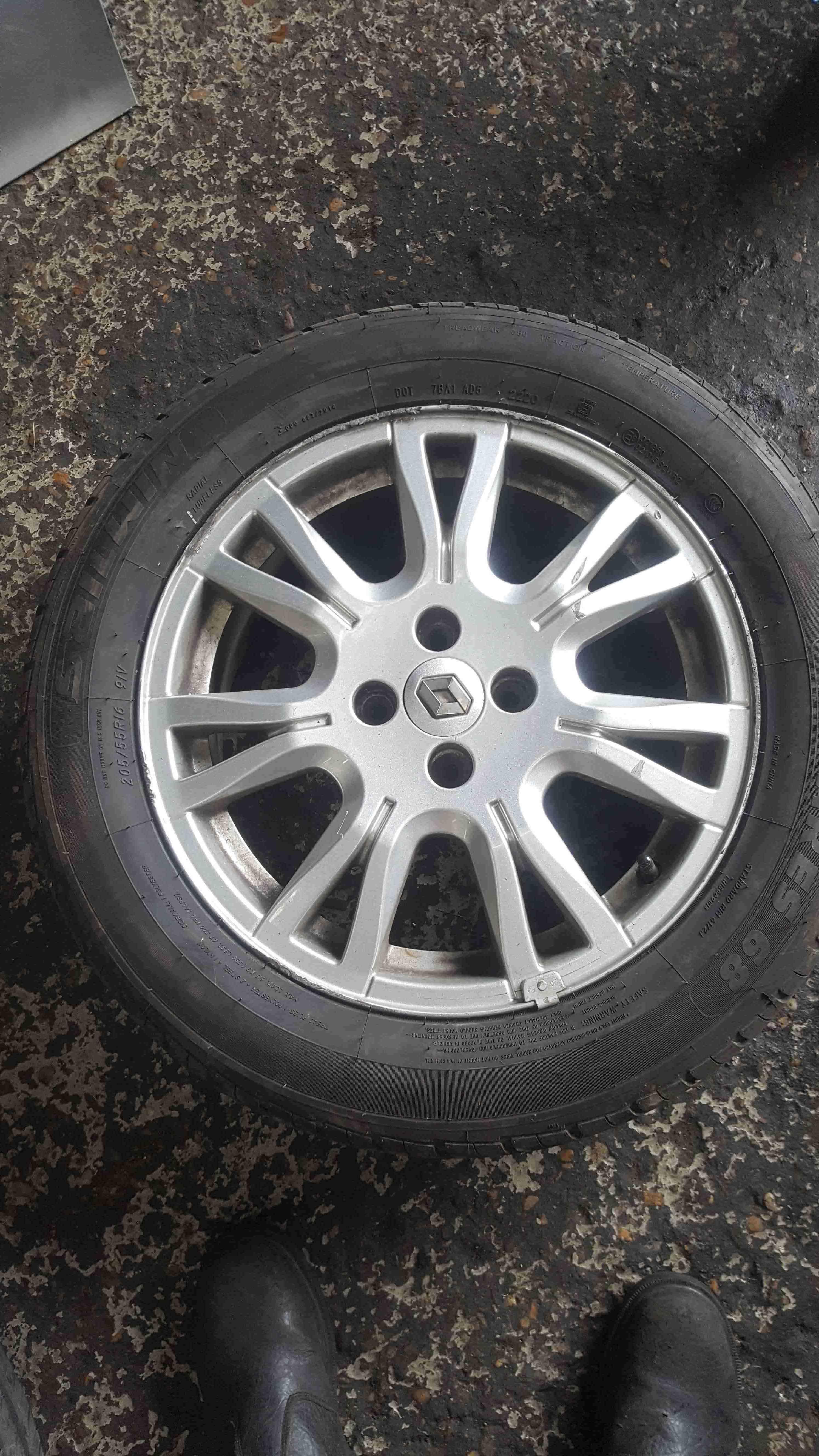 Renault Megane 2002-2008 Ozedia Alloy Wheel 16inch + Tyre 205 55 16 5mm Tread