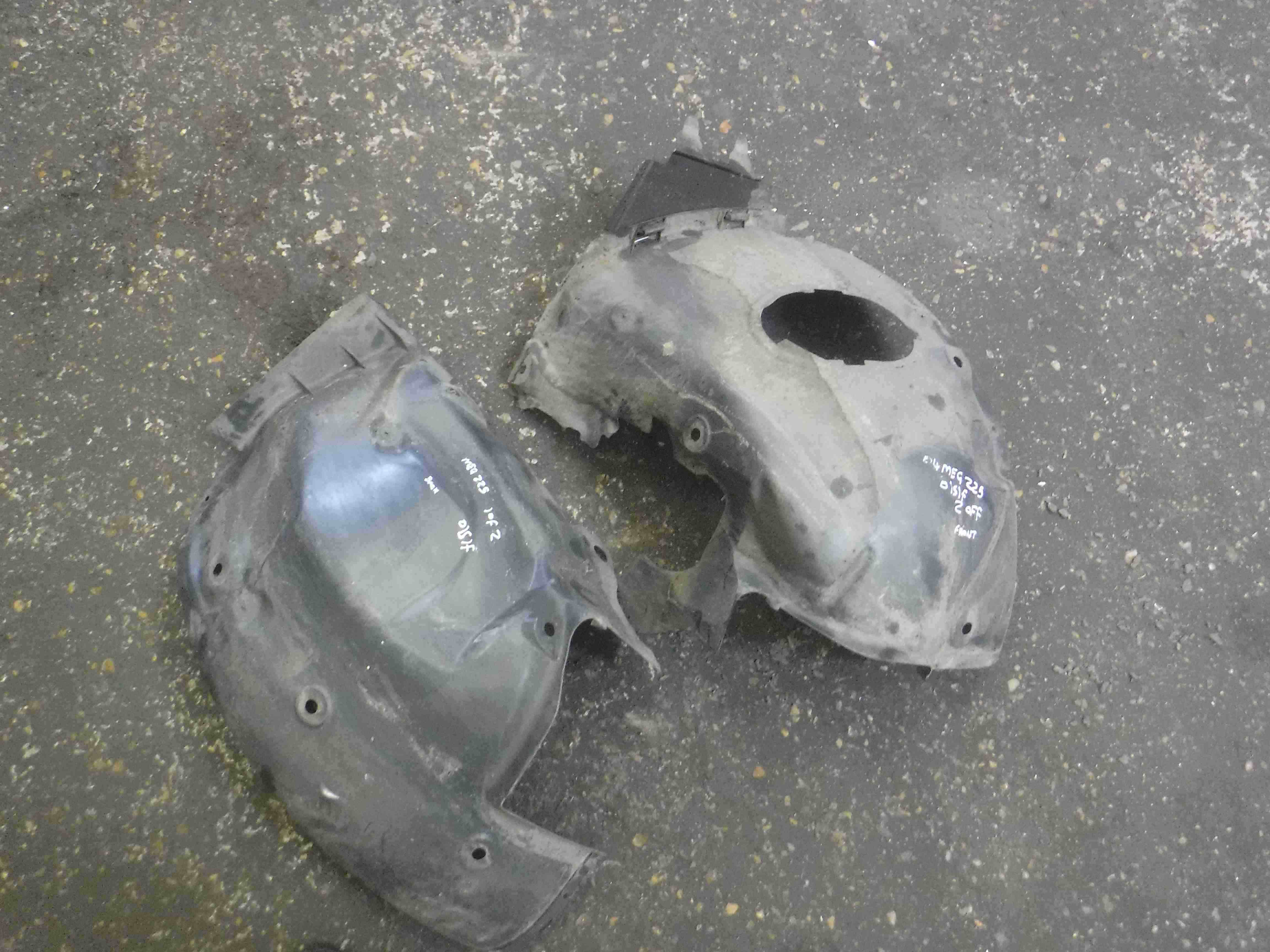 Renault Megane Sport 2002-2008 225 Drivers OSF Front Wheel Arch Liner Both Parts