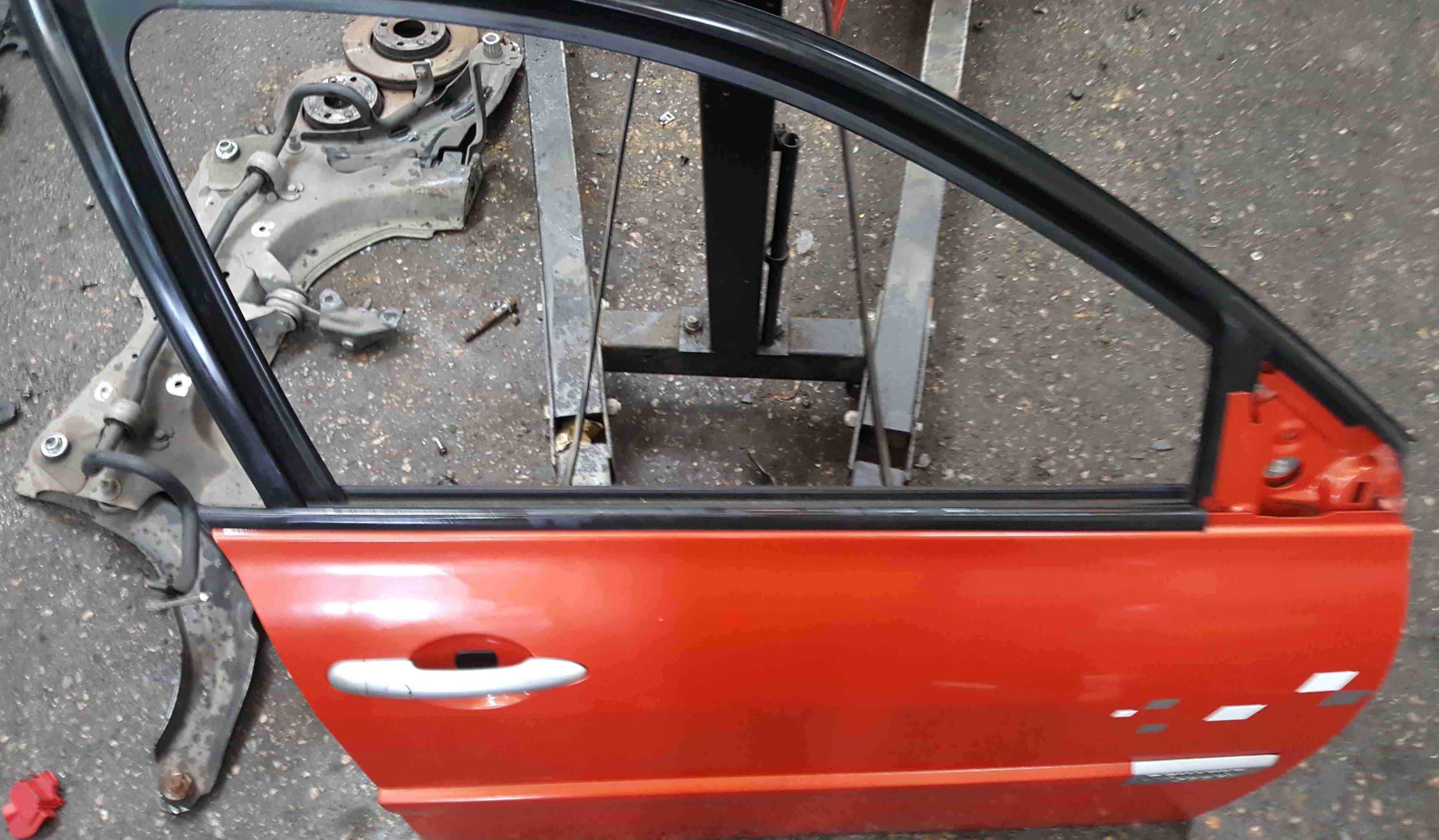 Renault Megane Sport MK2 2002-2008 Drivers OSF Front Door Red TED38 5dr