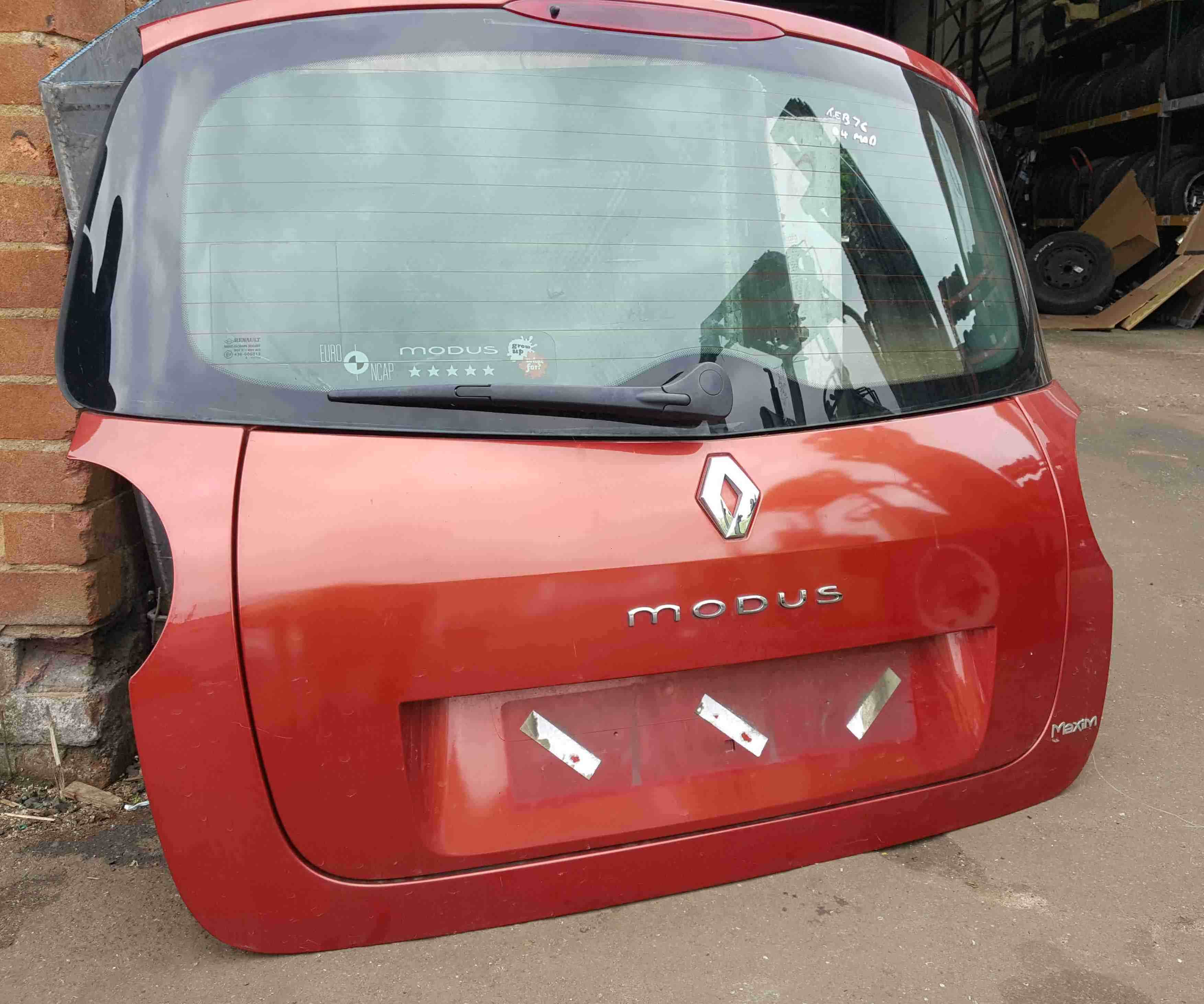 Renault Modus 2004-2008 Rear Tailgate Boot Red TEB76