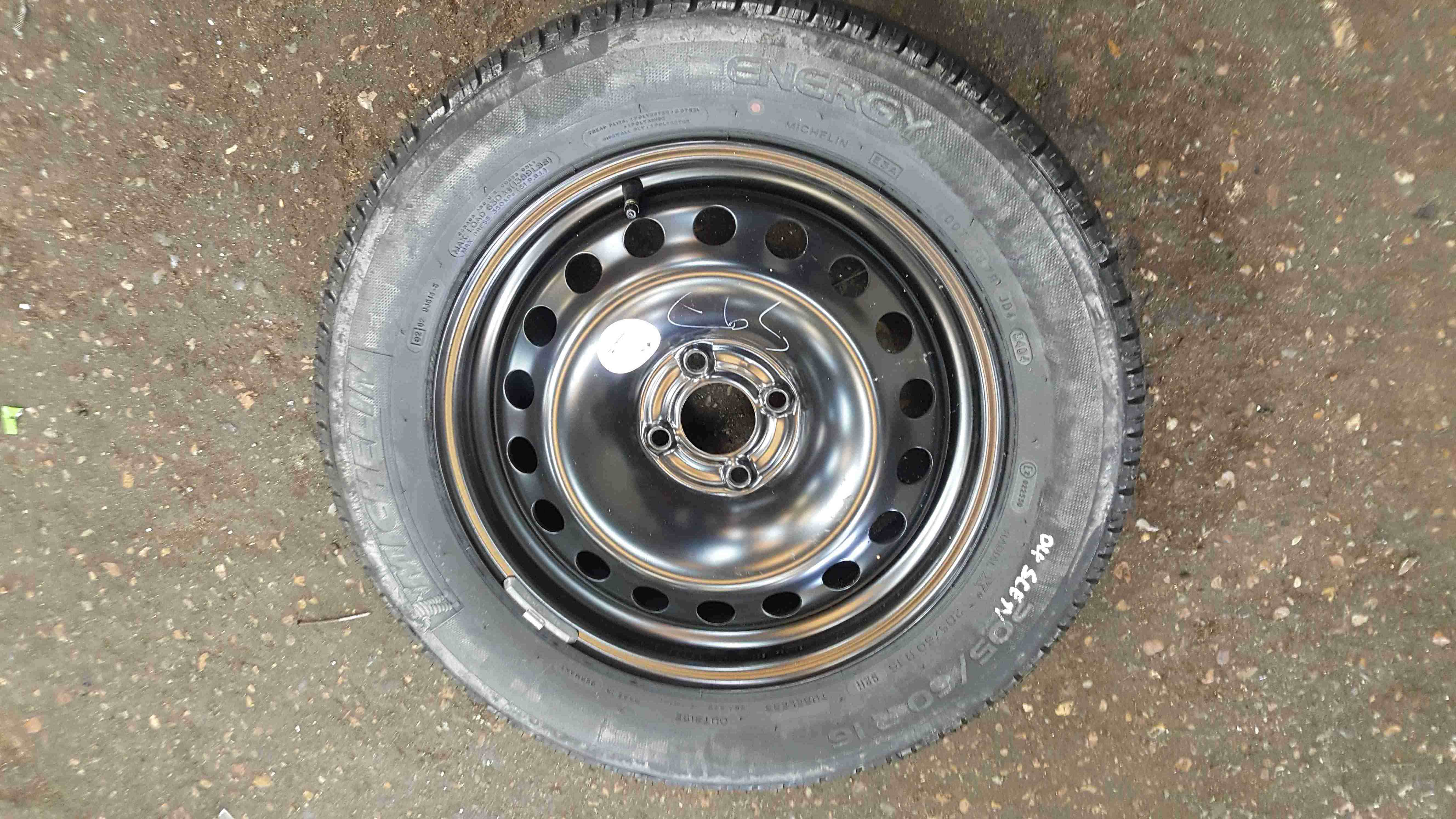 Renault Scenic MK2 2003-2009 Steel Wheel Rim  Tyre 205 60 16 7mm