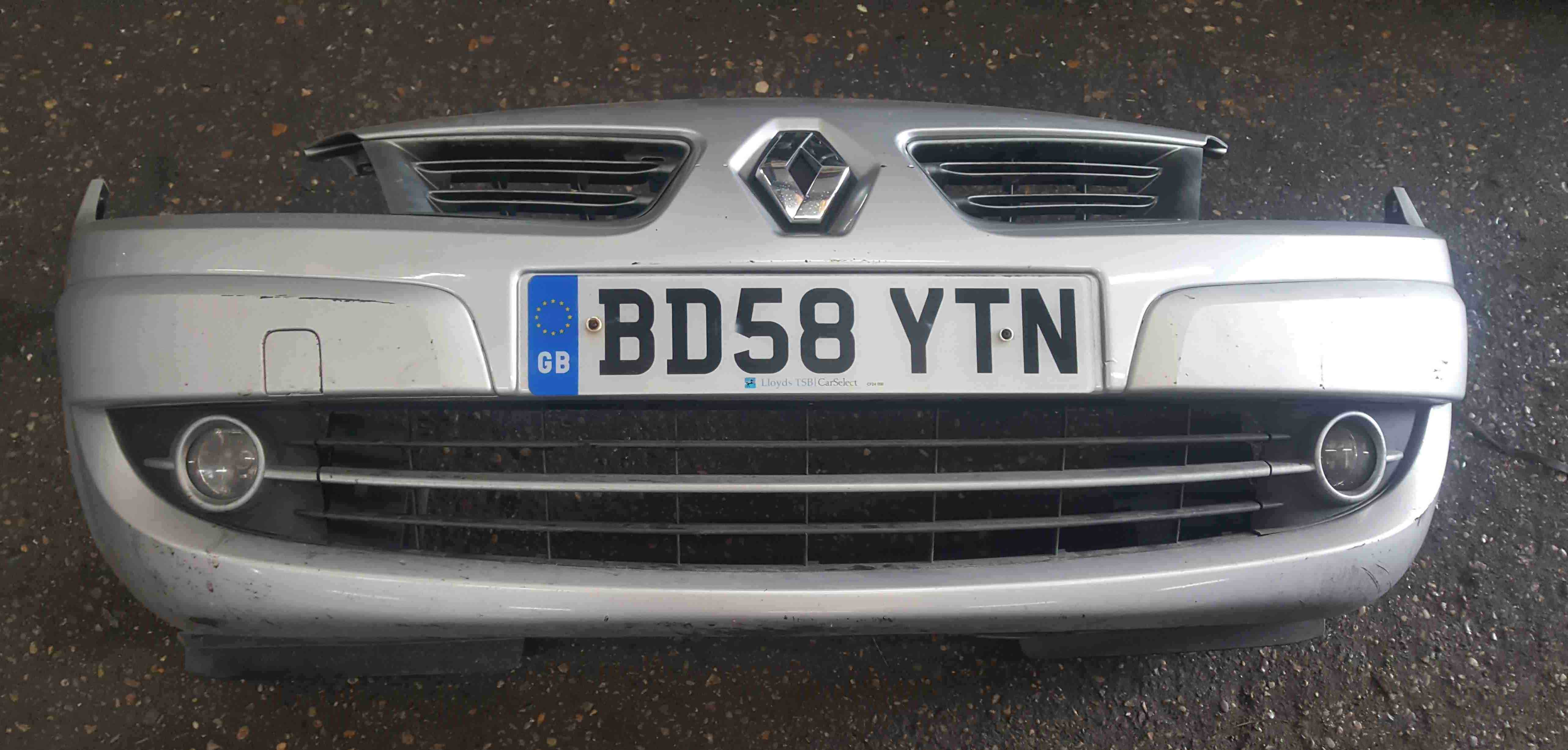 Renault Scenic MK2 2006-2009 Front Bumper Silver TED69