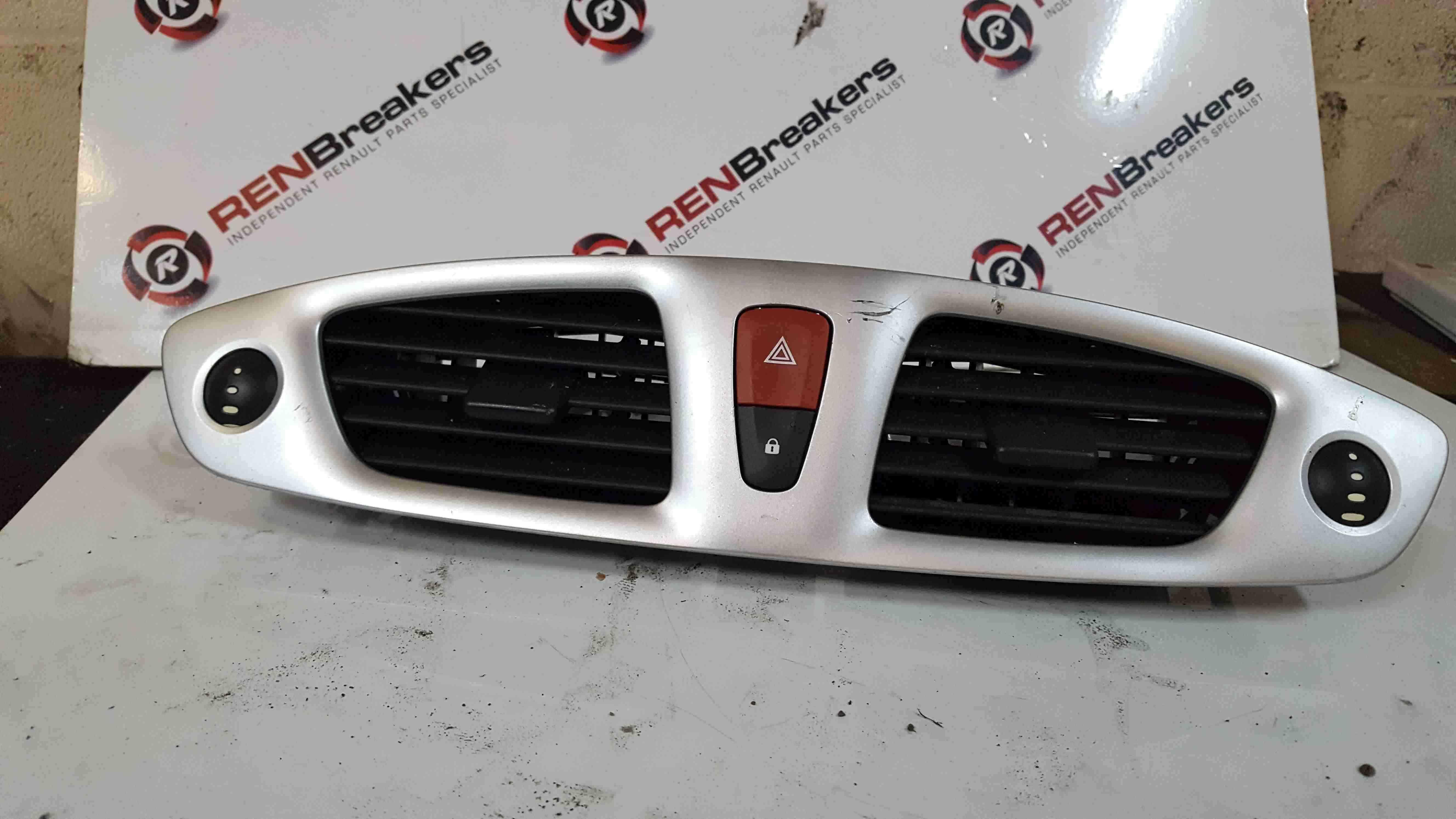 Renault Scenic MK3 2009-2013 Centre Heater Vent Hazard