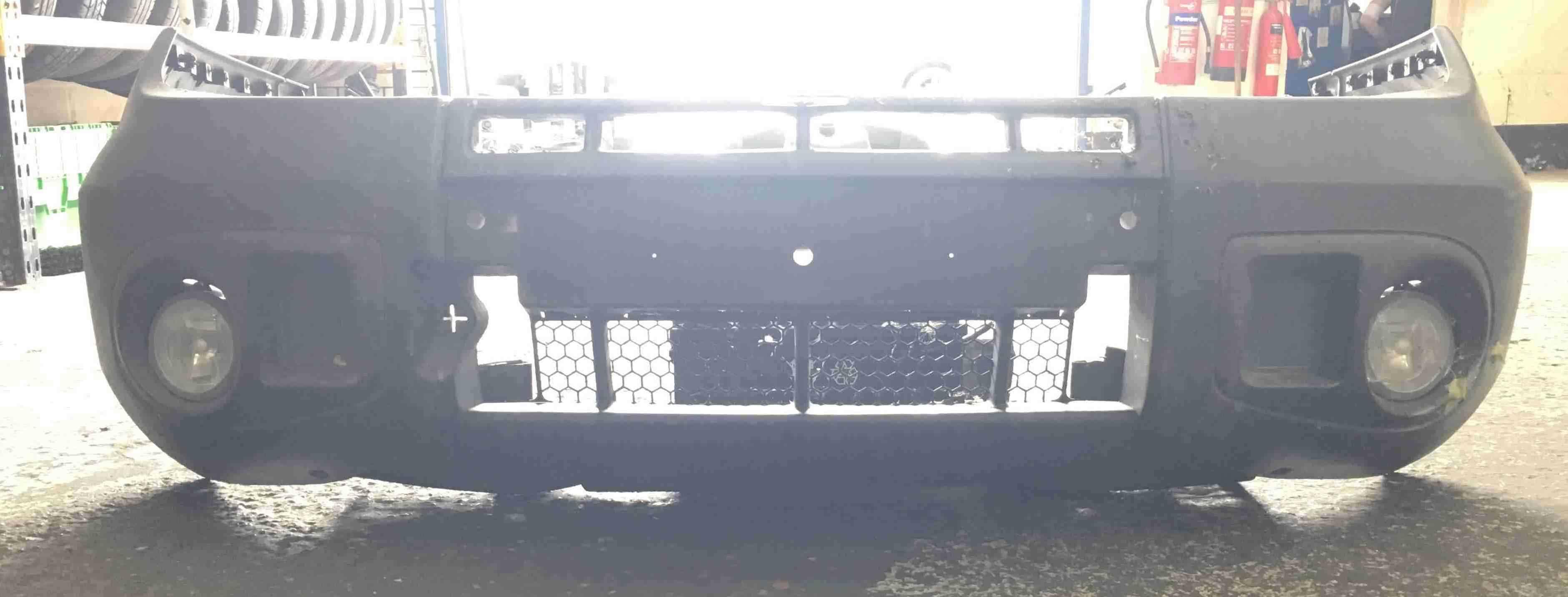 Renault Scenic RX4 1999-2003 Front Bumper Plain Black 7700735880