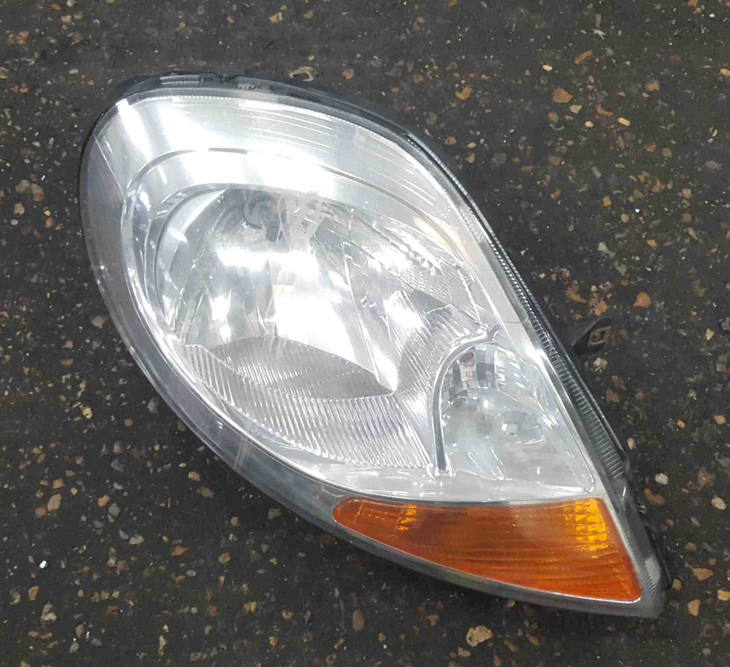 Renault Trafic 2006-2014 Drivers OSF Front Headlight 8200701361