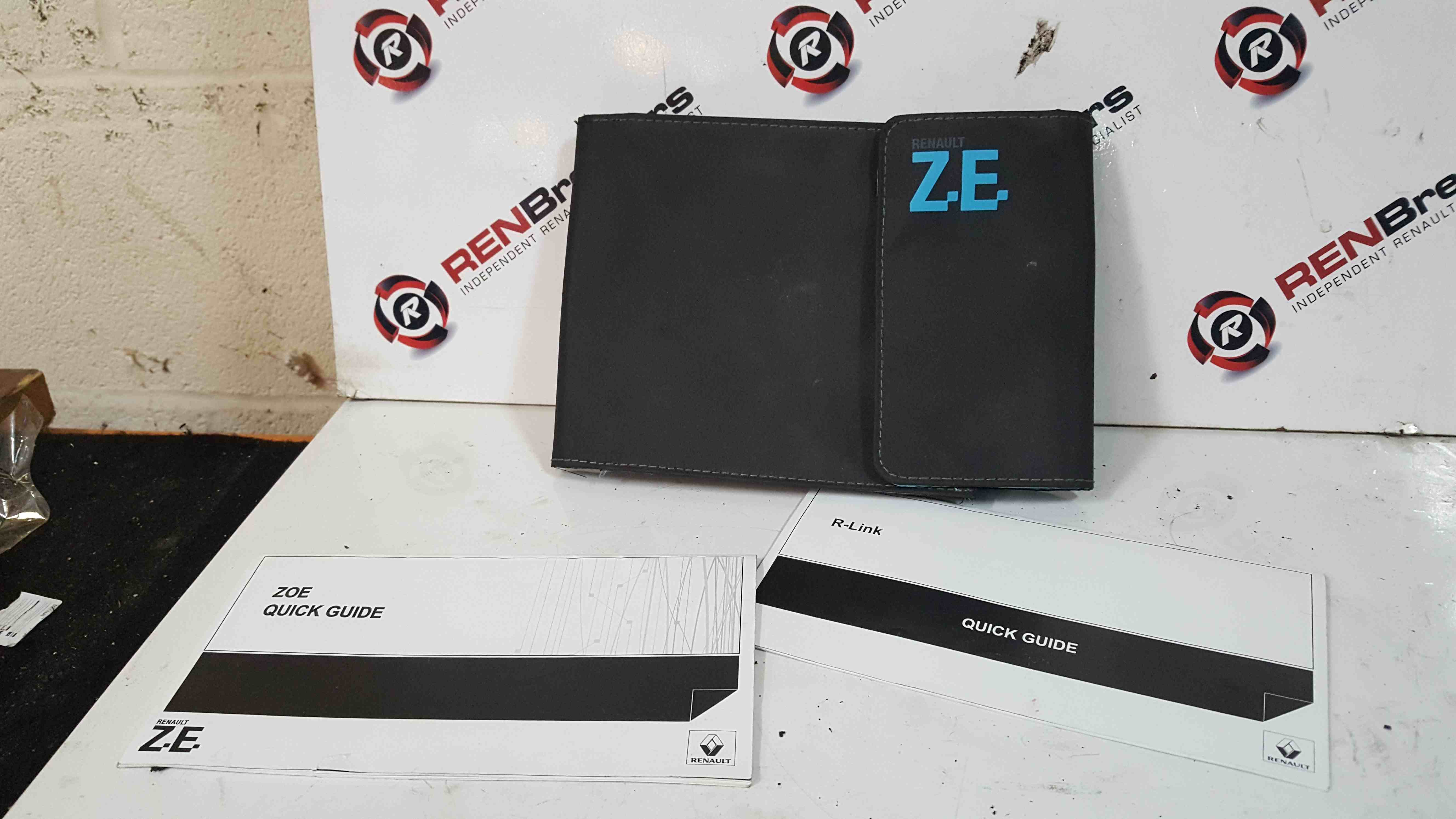 Renault Zoe 2012-2016 Document Wallet Guides