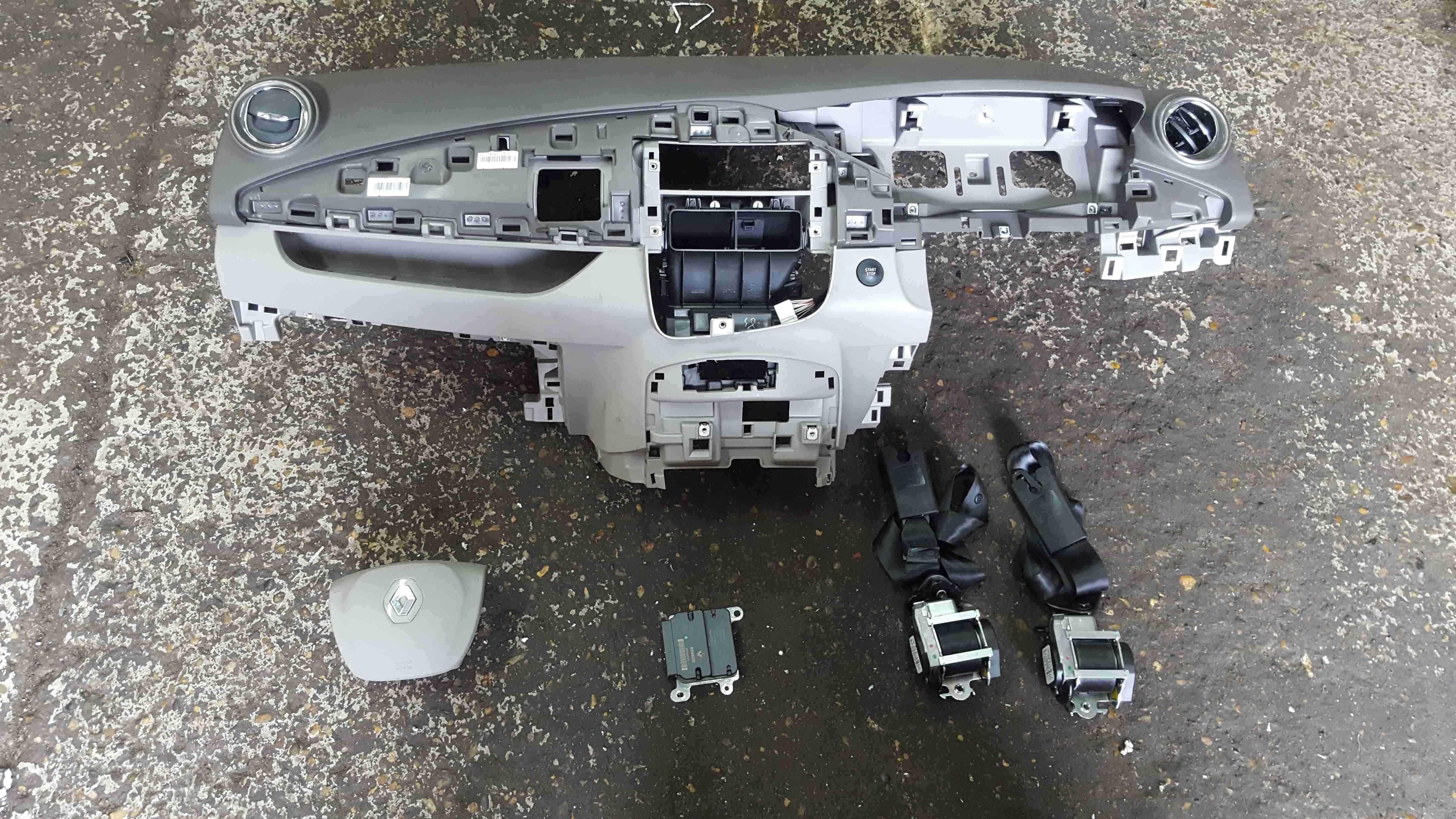 Renault Zoe 2016-2019 Dashboard Airbag Comeplte Kit Belts Module