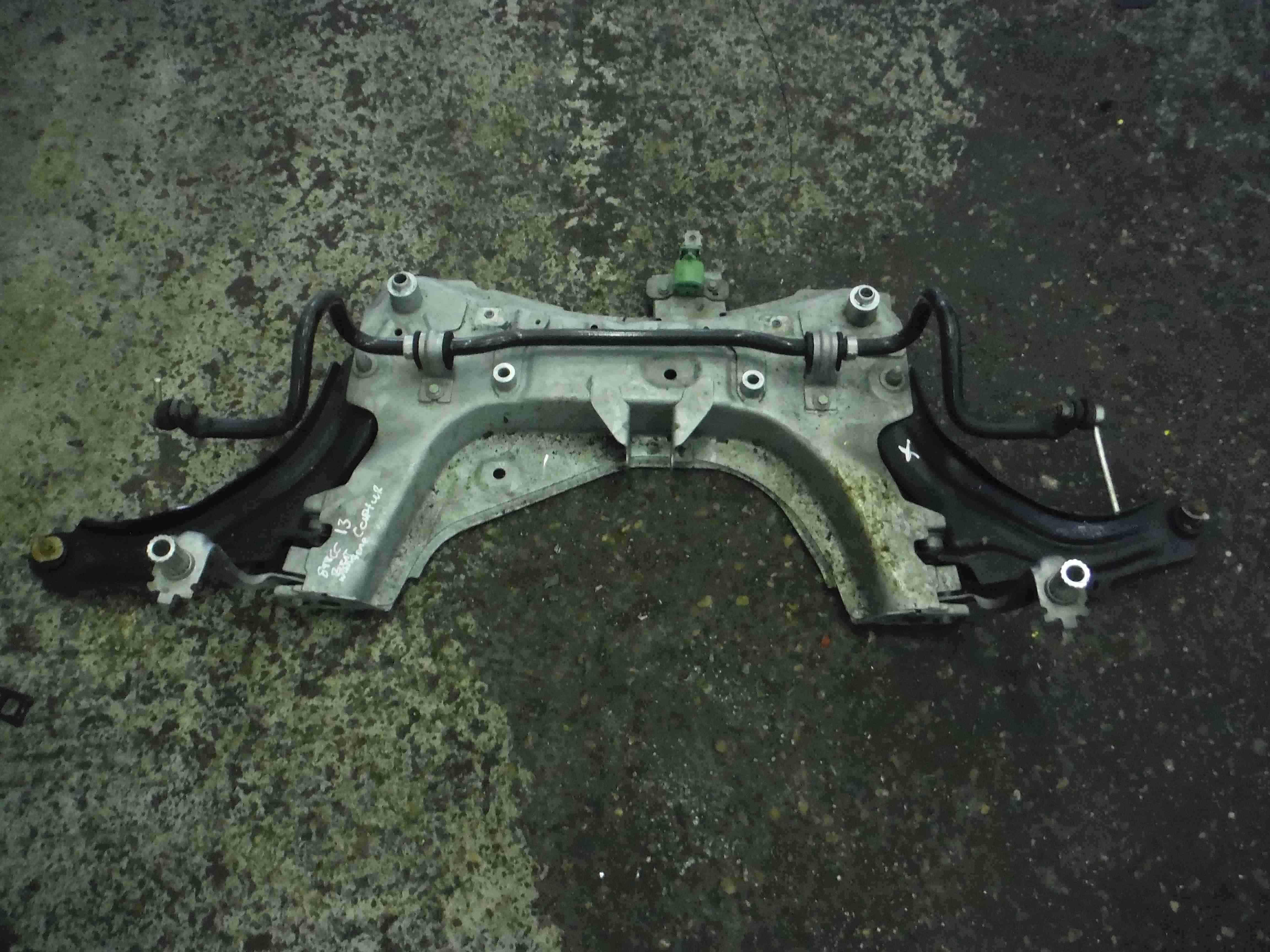 Renault Captur 2013-2015 Front Subframe Cradle Axle Wishbone