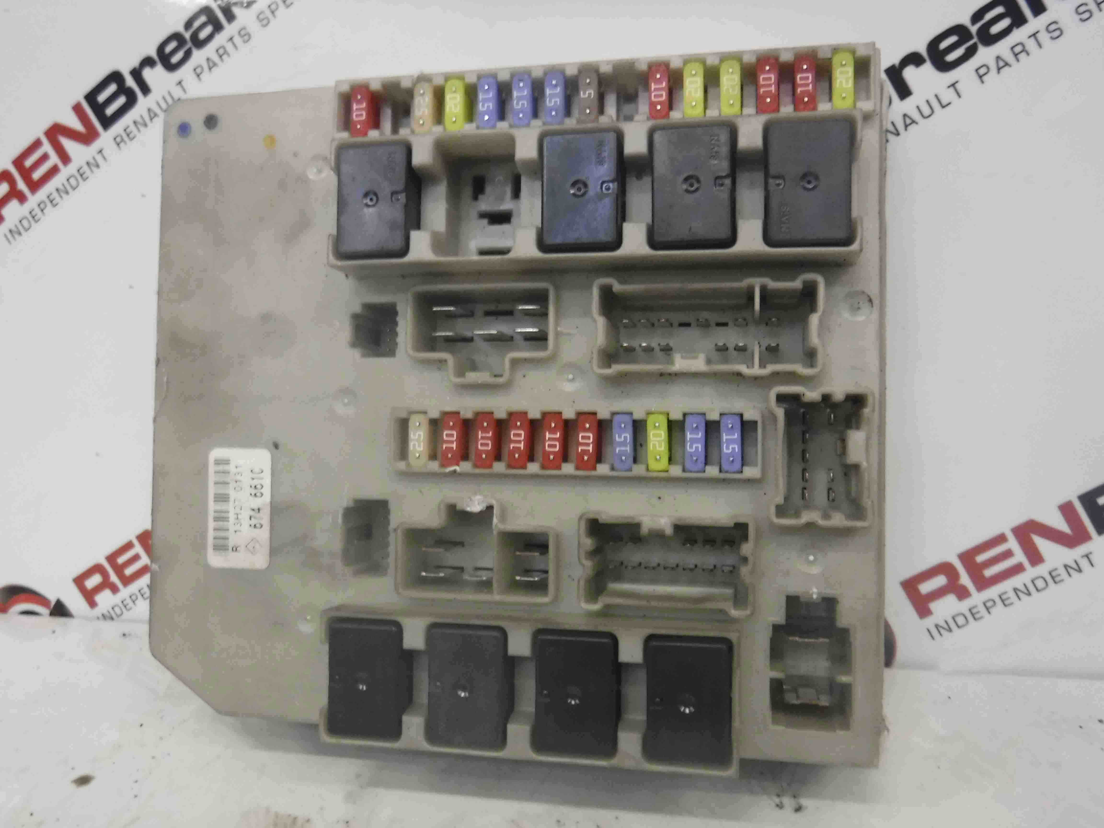 Renault Clio + Modus MK3 2005-2009 Engine Bay Fuse Box UPC 674661