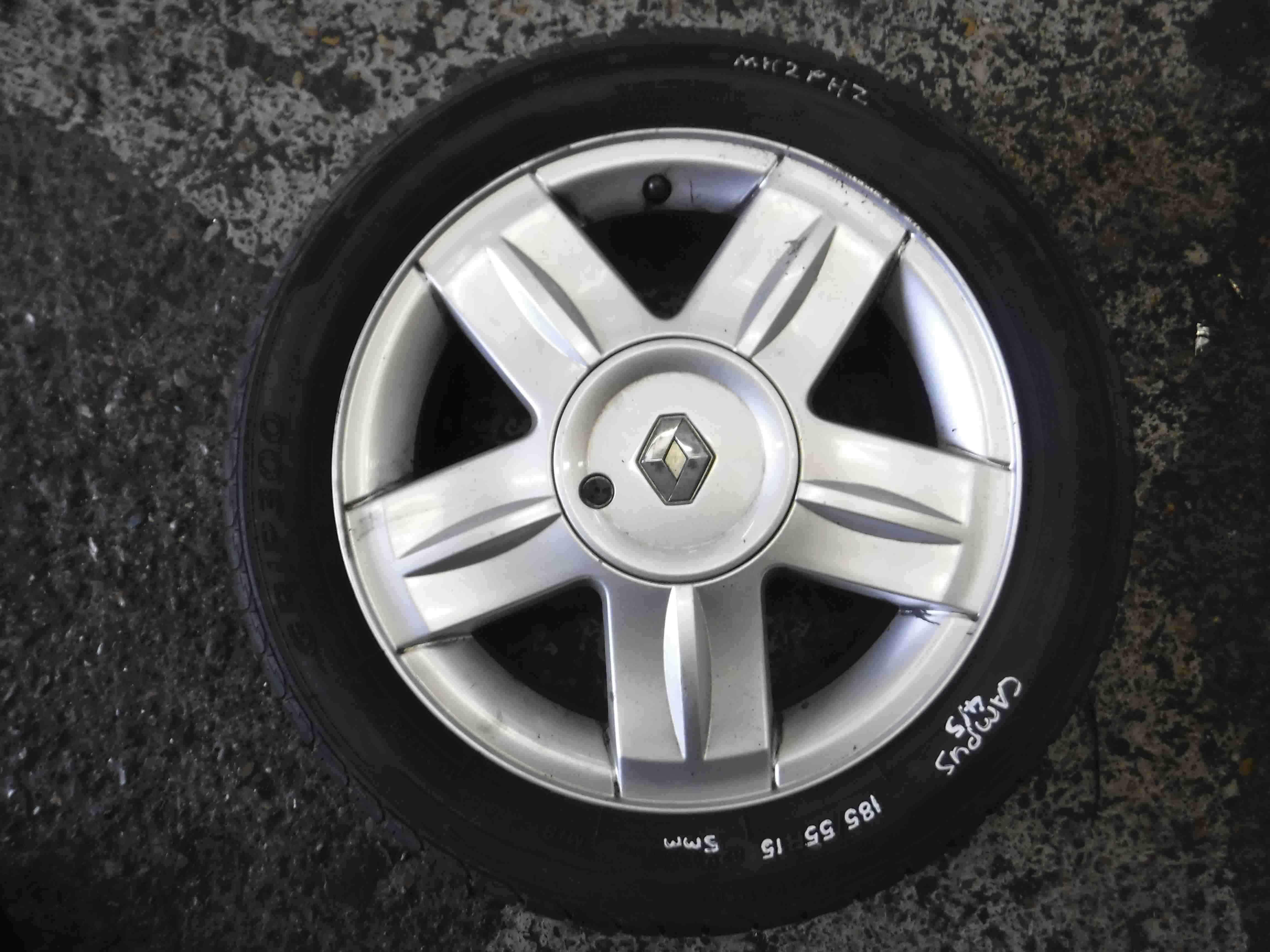 Renault Clio MK2 2001-2006 Campus Alium Alloy Wheel  Tyre 185 55 15 5mm 4/5