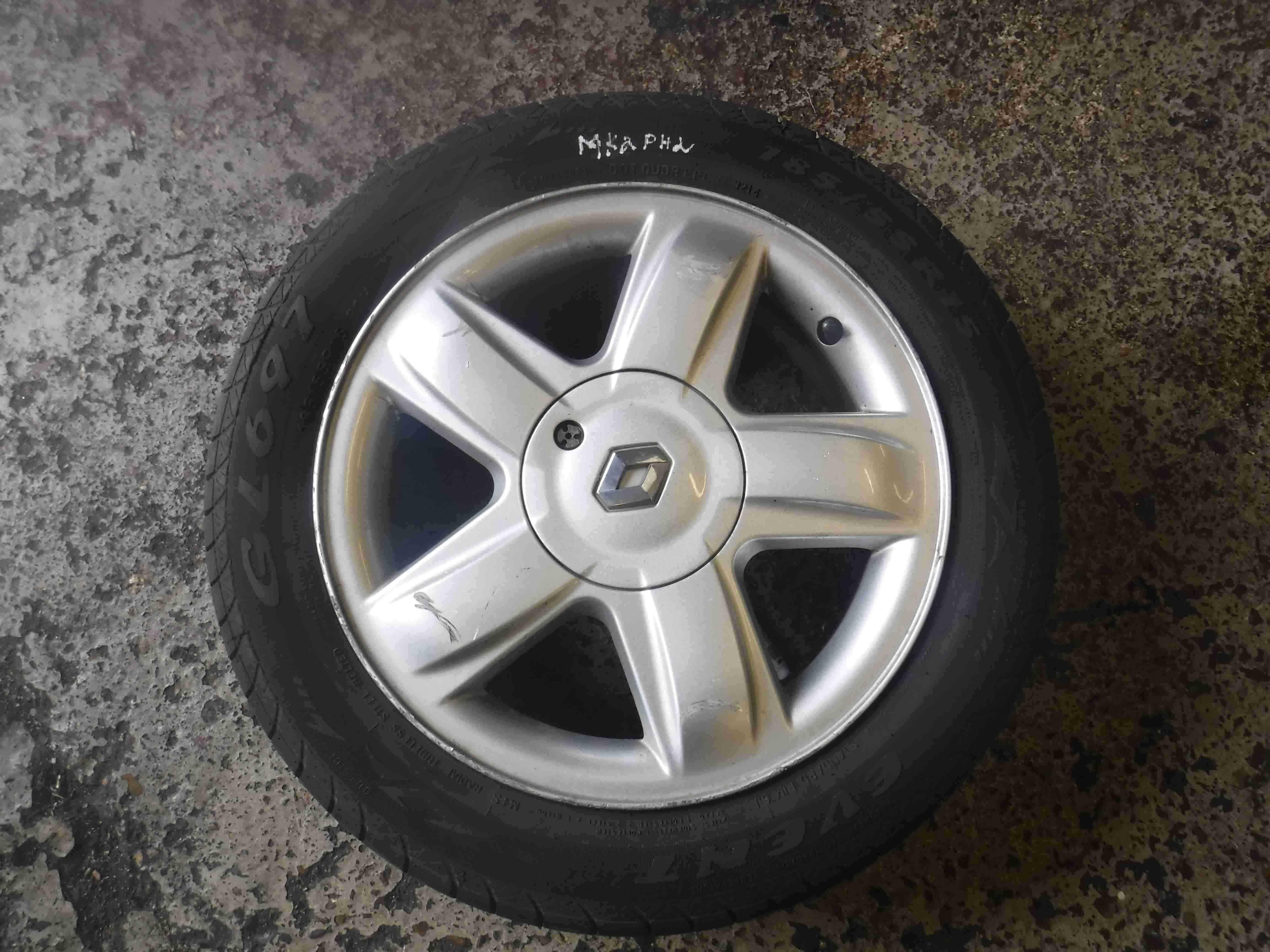 Renault Clio MK2 2001-2006 Dynamique Alloy Wheel + Tyre 185 55 15 7mm 3/5