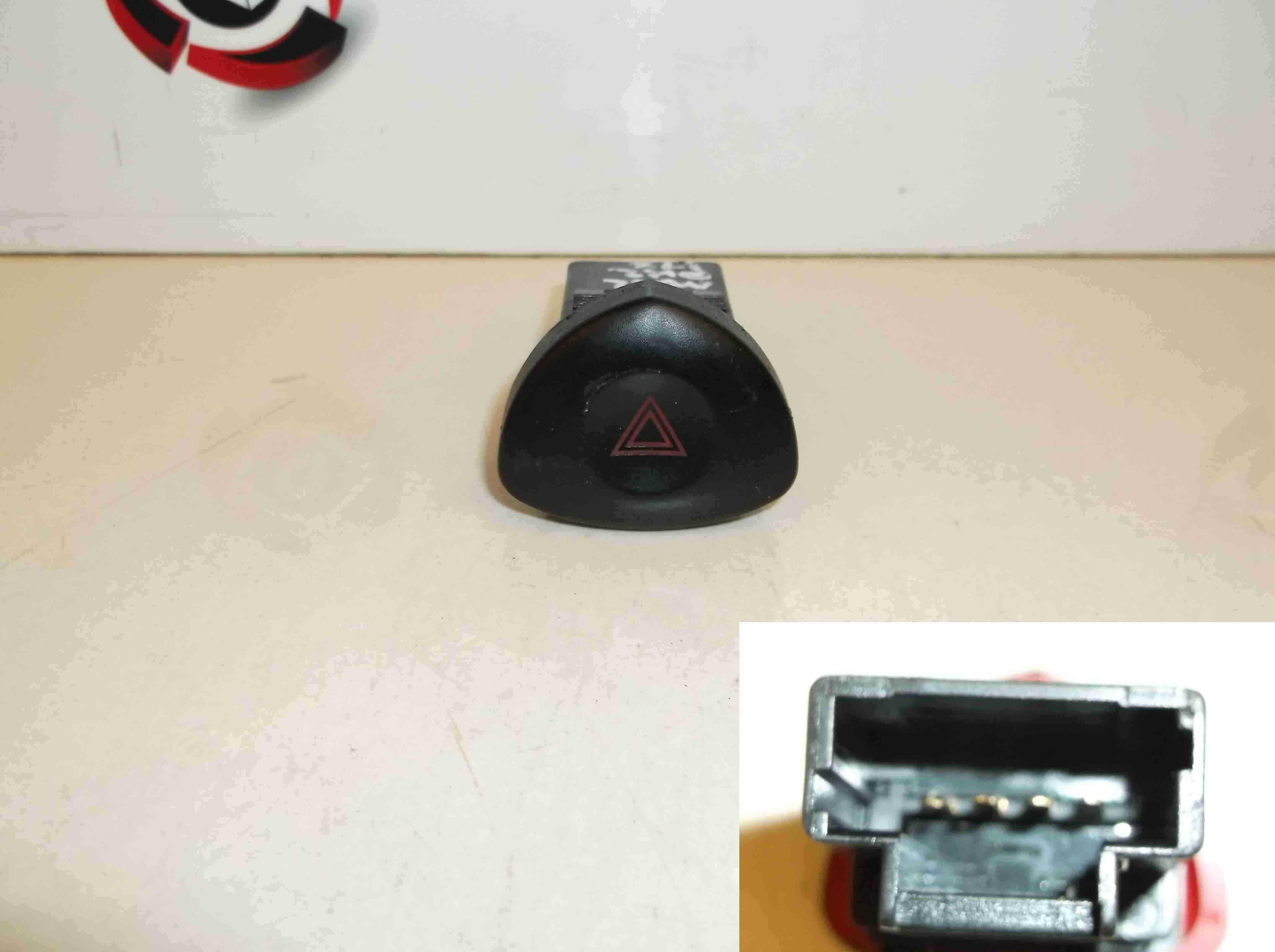 Renault Clio MK2 2001-2006 Hazard Warning Switch 442723 501439