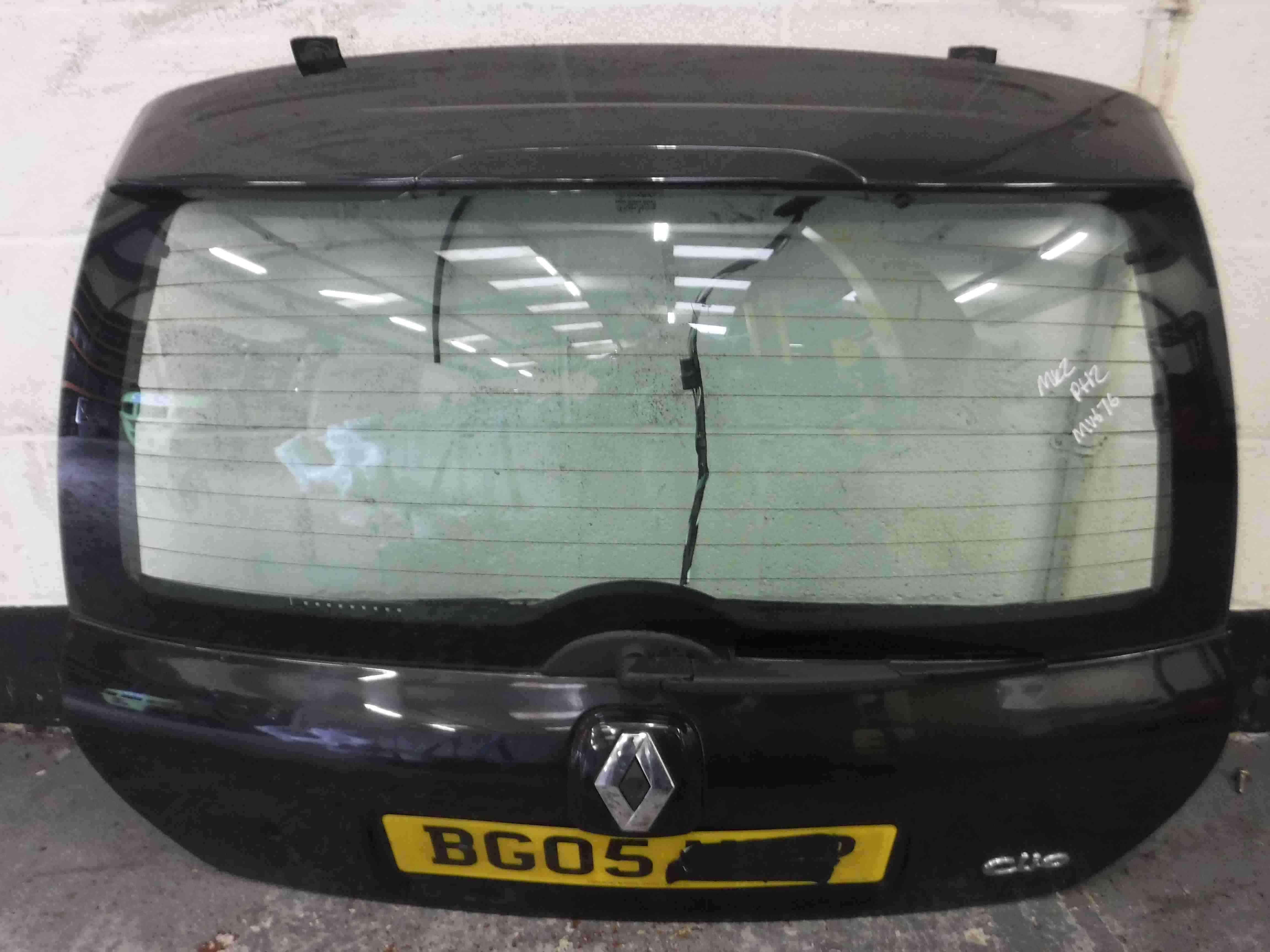Renault Clio MK2 2001-2006 Rear Tailgate Boot Black 676