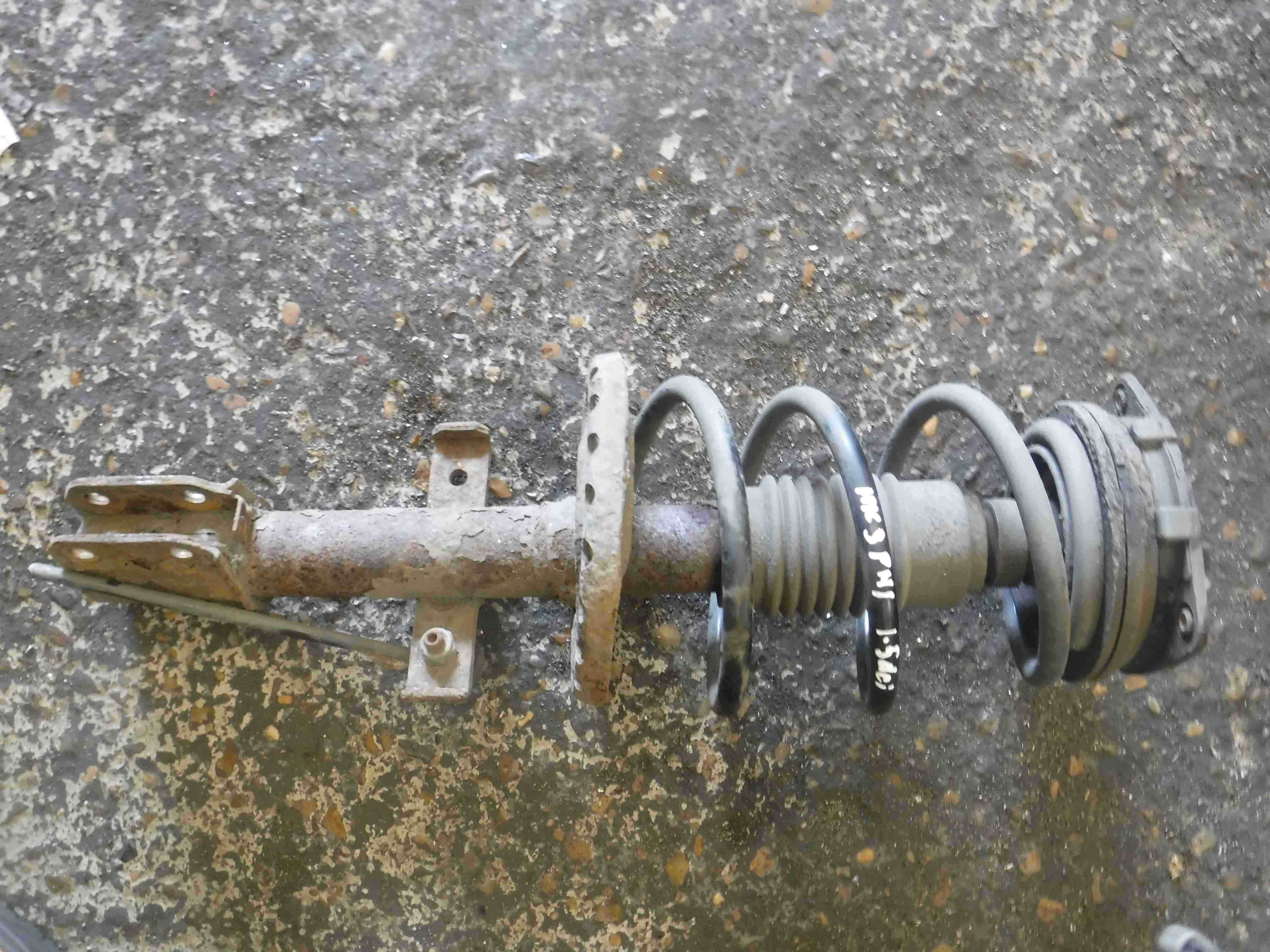 Renault Clio MK3 2005-2009 1.5 dCi Drivers OSF Front Spring Suspension Leg
