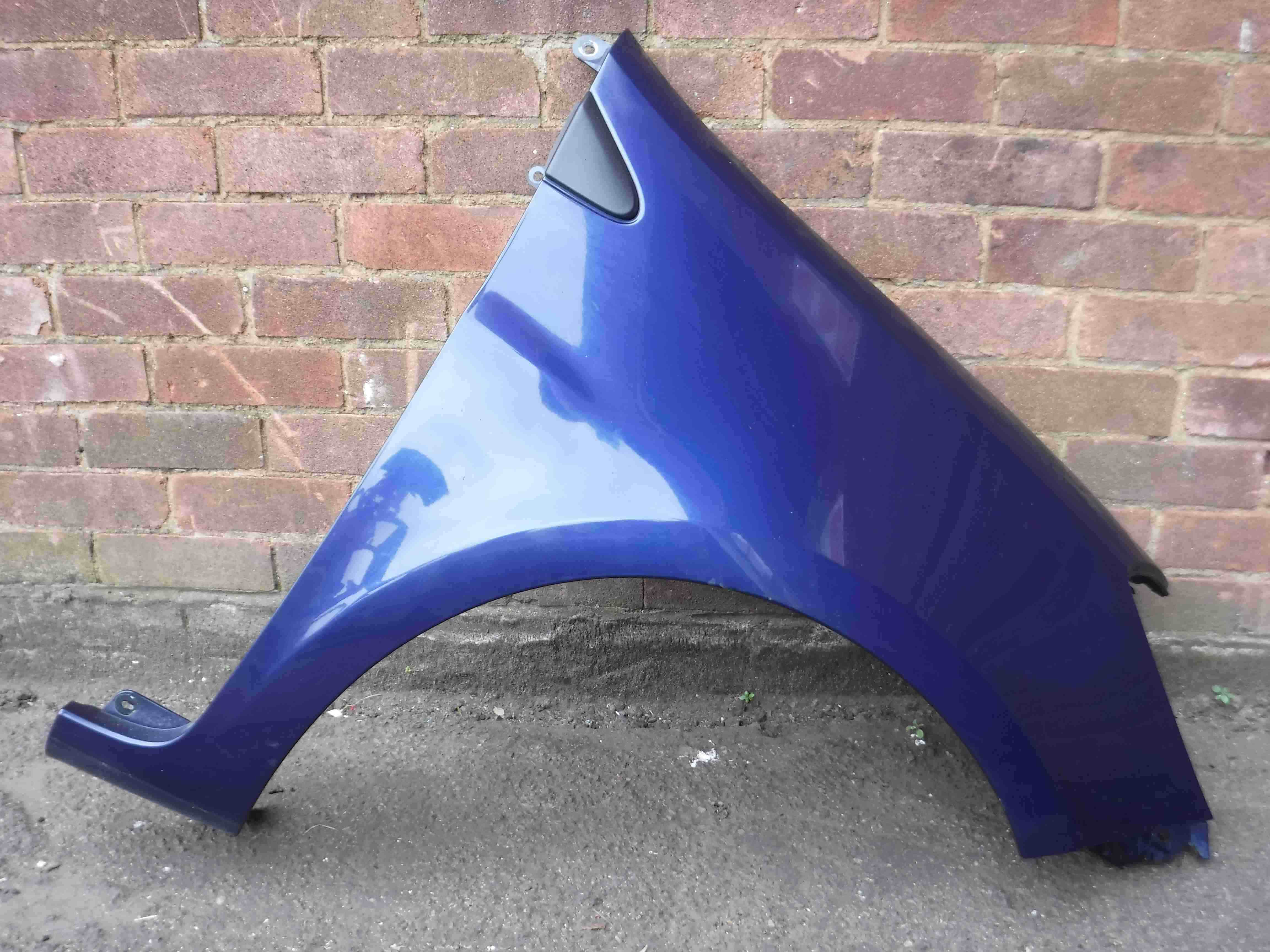 Renault Clio MK3 2005-2009 Drivers OS Wing Blue 432 185
