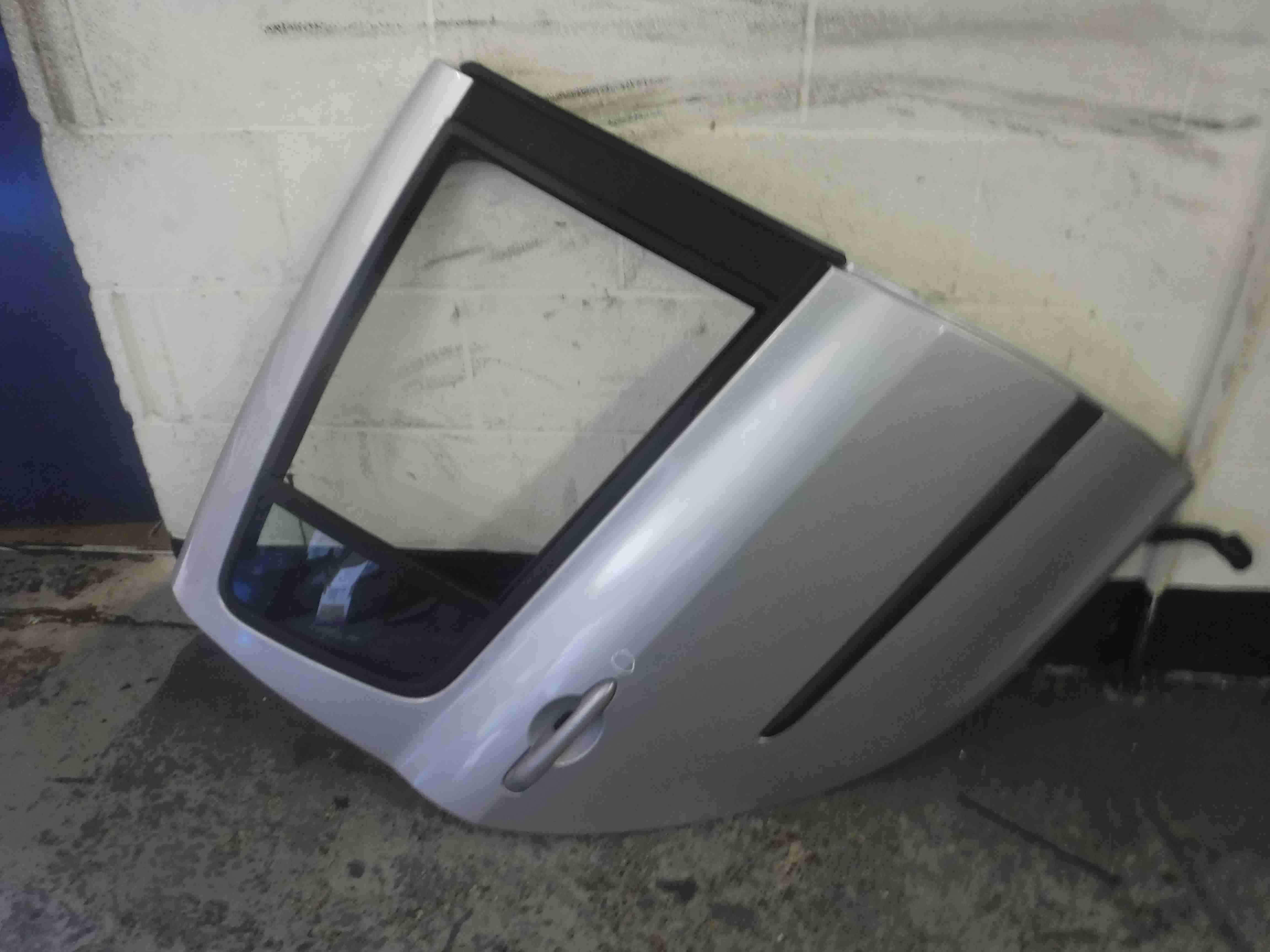 Renault Clio MK3 2005-2009 Drivers OSR Rear Door Silver TED69