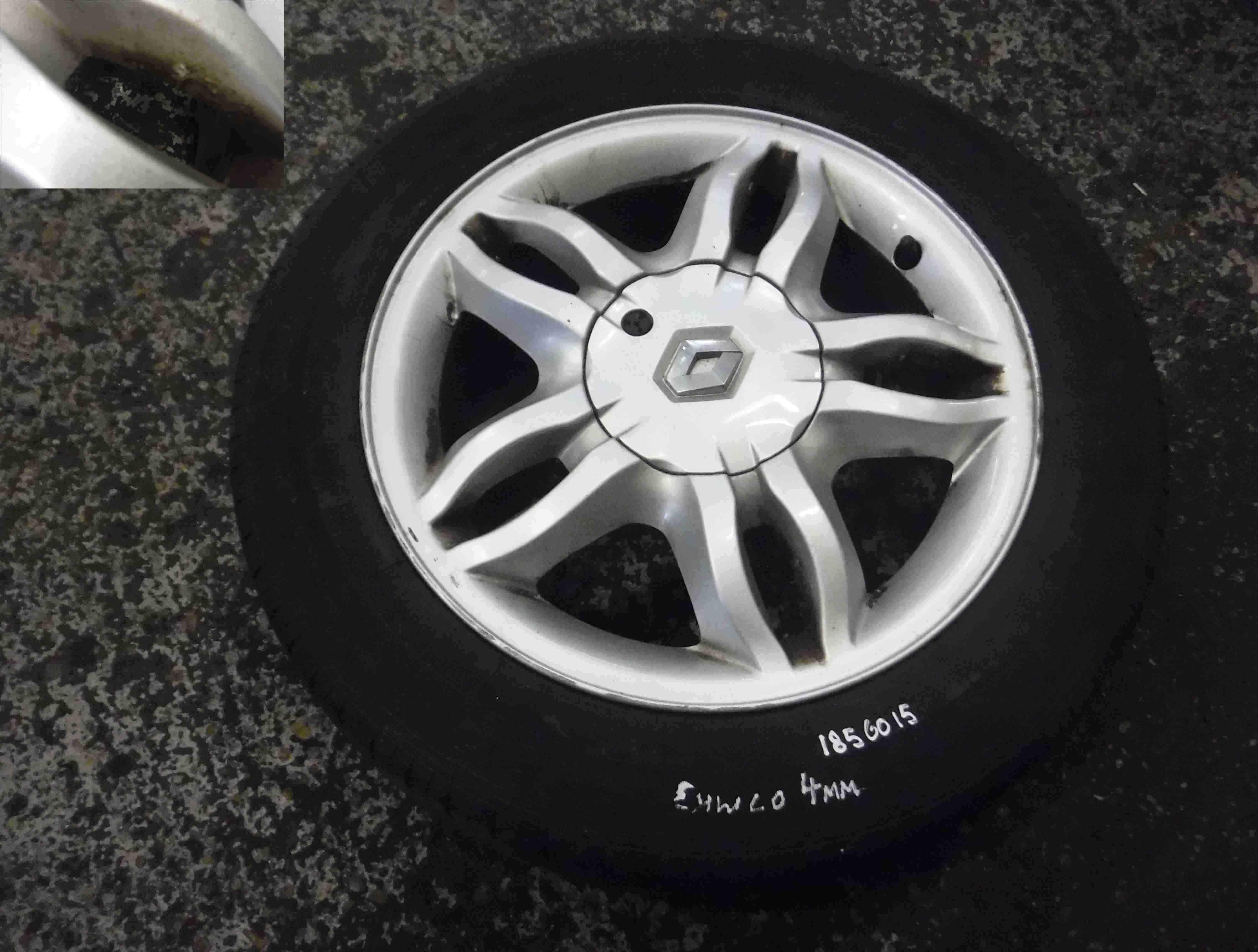 Renault Clio MK3 2005-2009 Mahonia Alloy Wheel  Tyre 185 60 15 4mm Tread 35