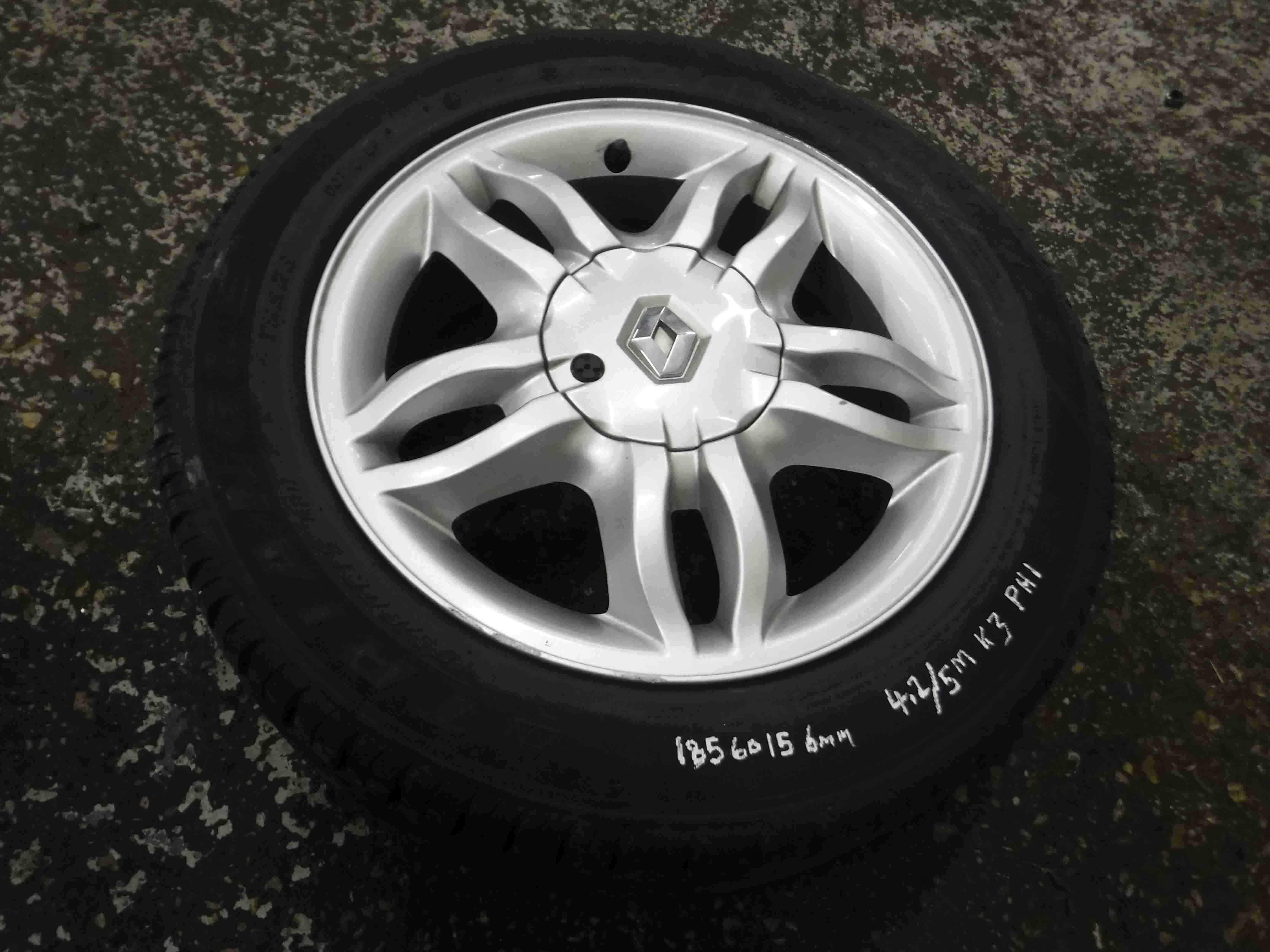 Renault Clio MK3 2005-2009 Mahonia Alloy Wheel  Tyre 185 60 15 6mm Tread 45