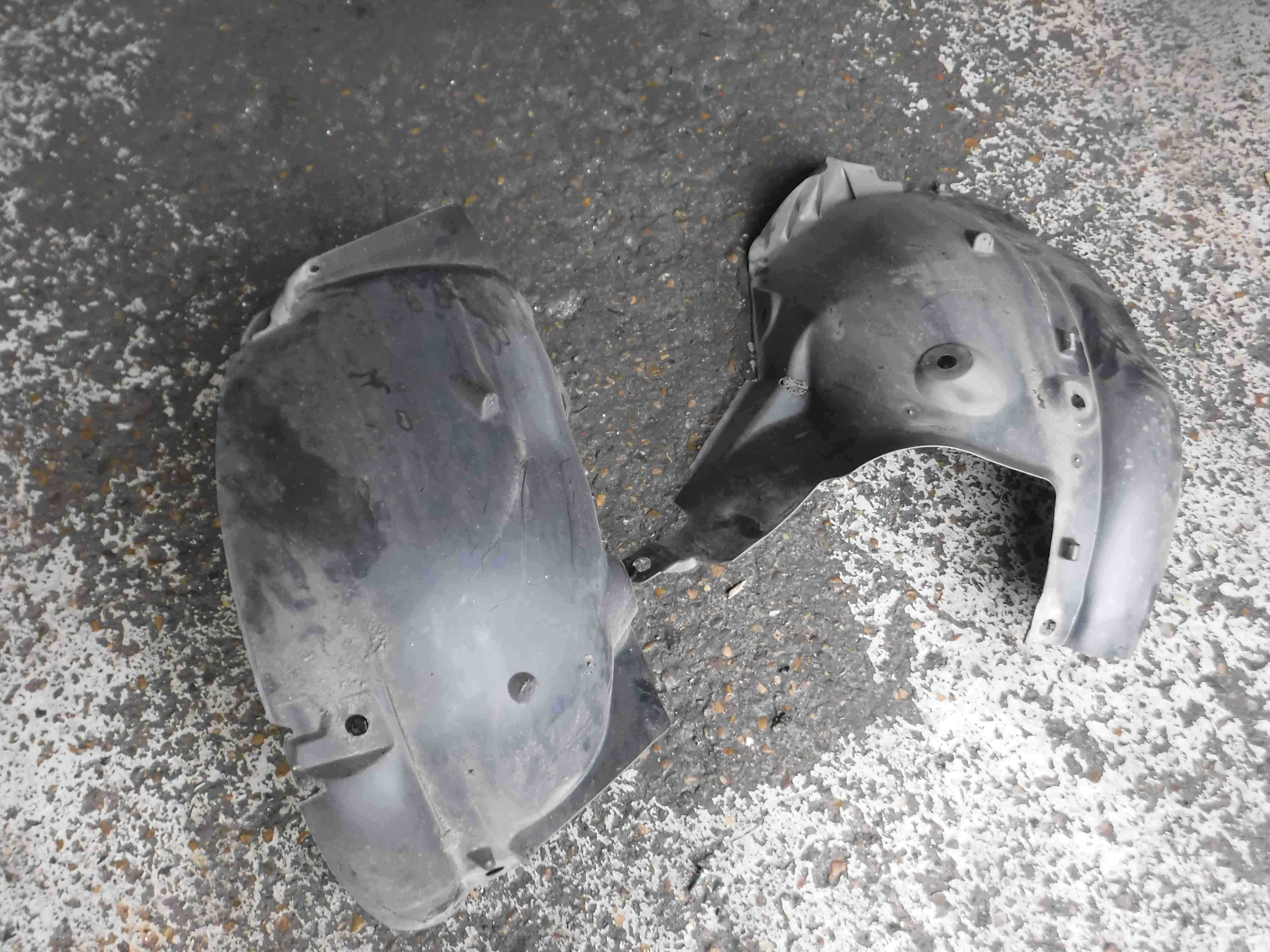 Renault Clio MK3 2005-2009 Passenger NSF Front Wheel Arch Liner 185 Both Parts