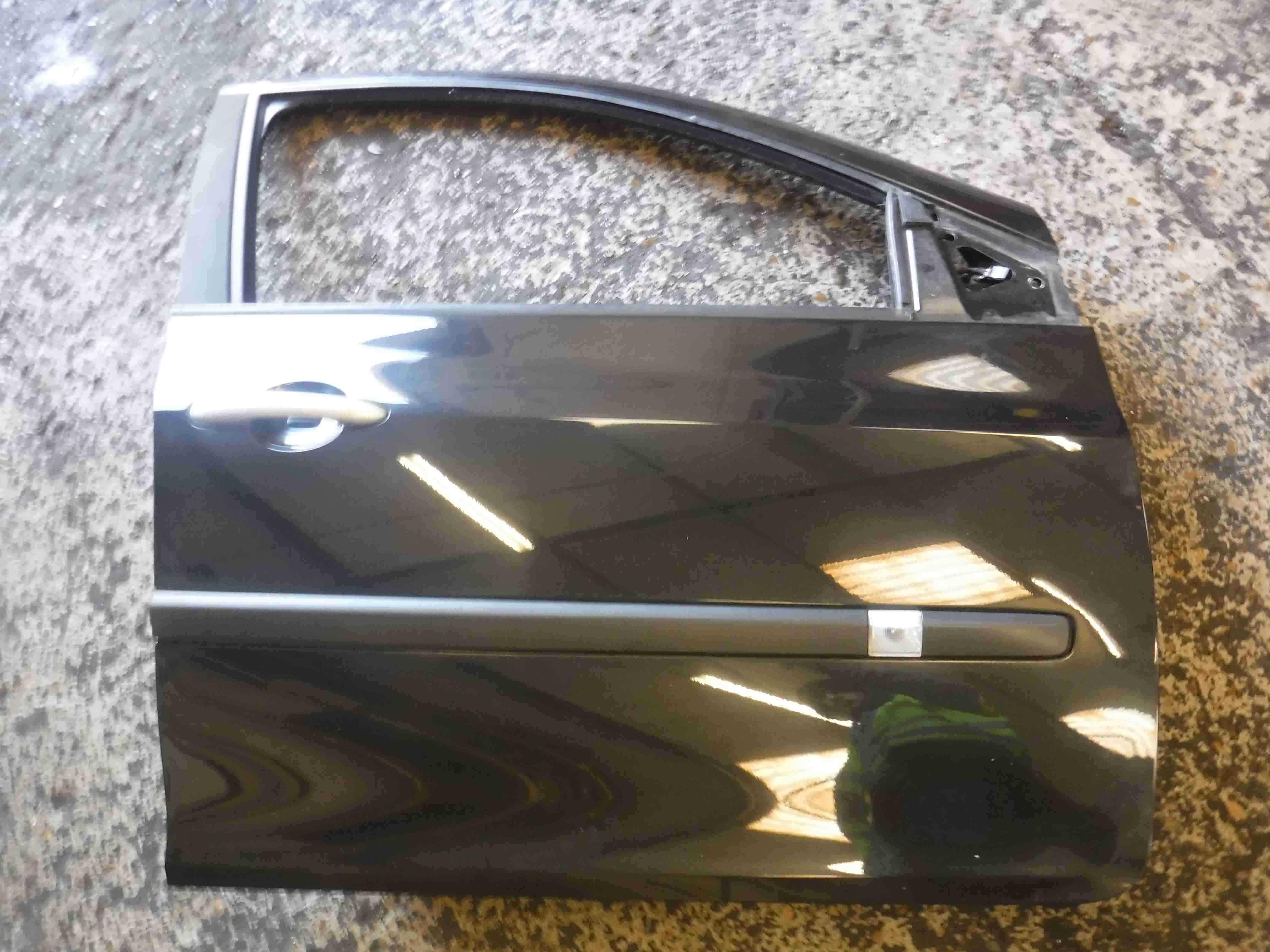 Renault Clio MK3 2005-2012 Drivers OSF Front Door Black 676 5dr 1234