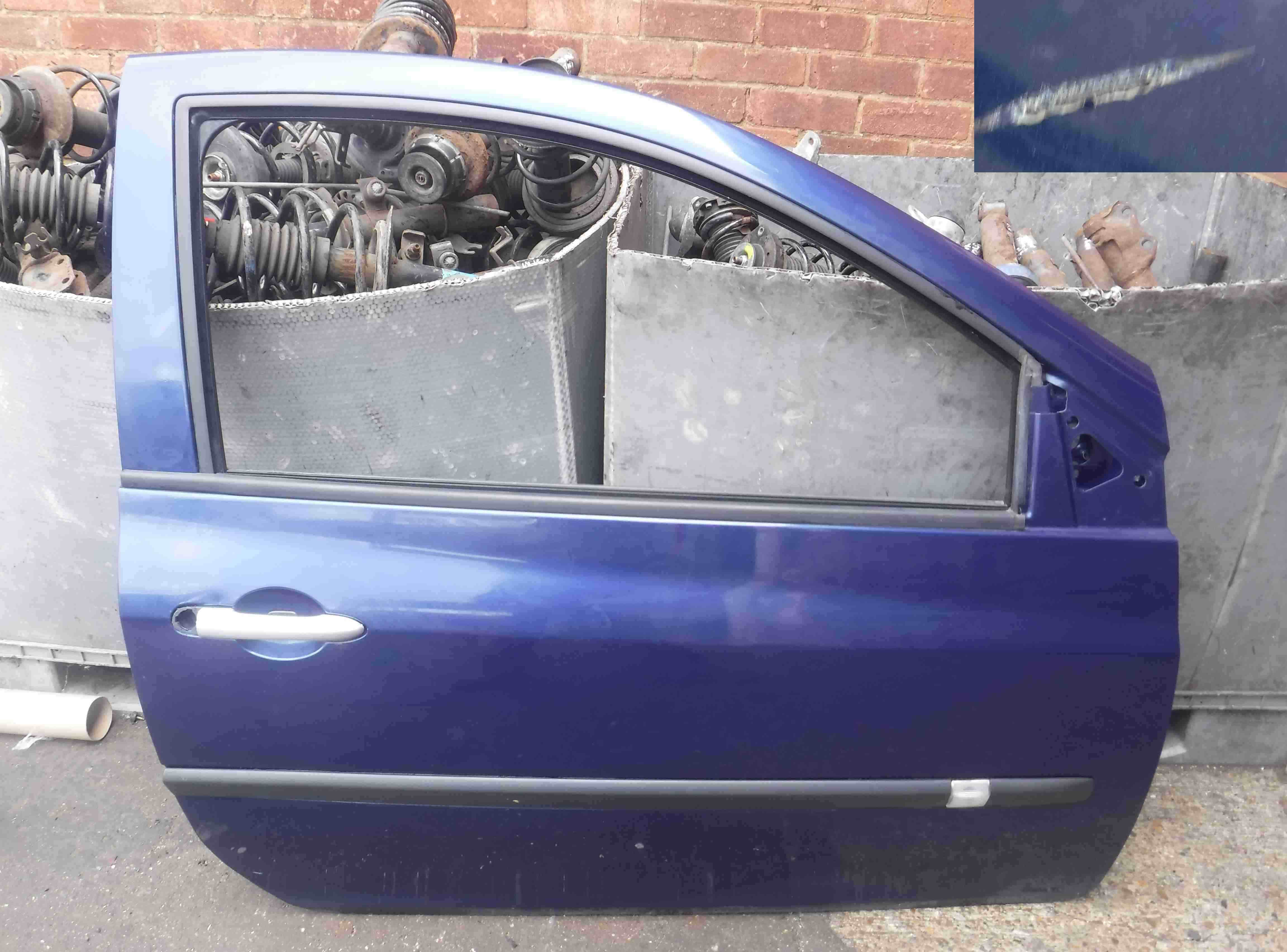 Renault Clio MK3 2005-2012 Drivers OSF Front Door Blue 432 3dr